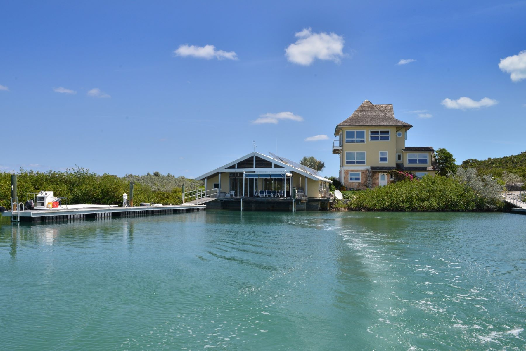 Private Island for Sale at Elizabeth Island Georgetown, Exuma Bahamas