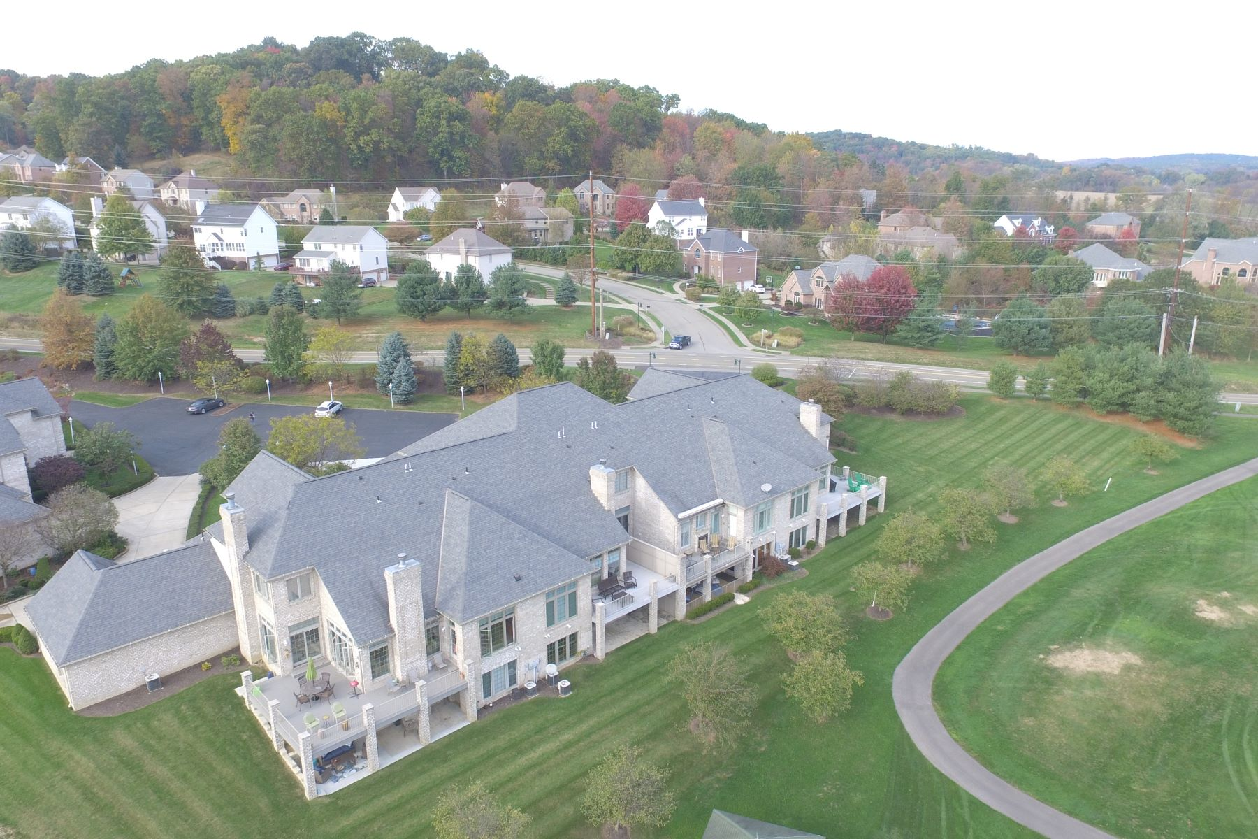 Additional photo for property listing at 103 Greenview Court 103 Greenview Ct Gibsonia, Pennsylvania 15044 United States