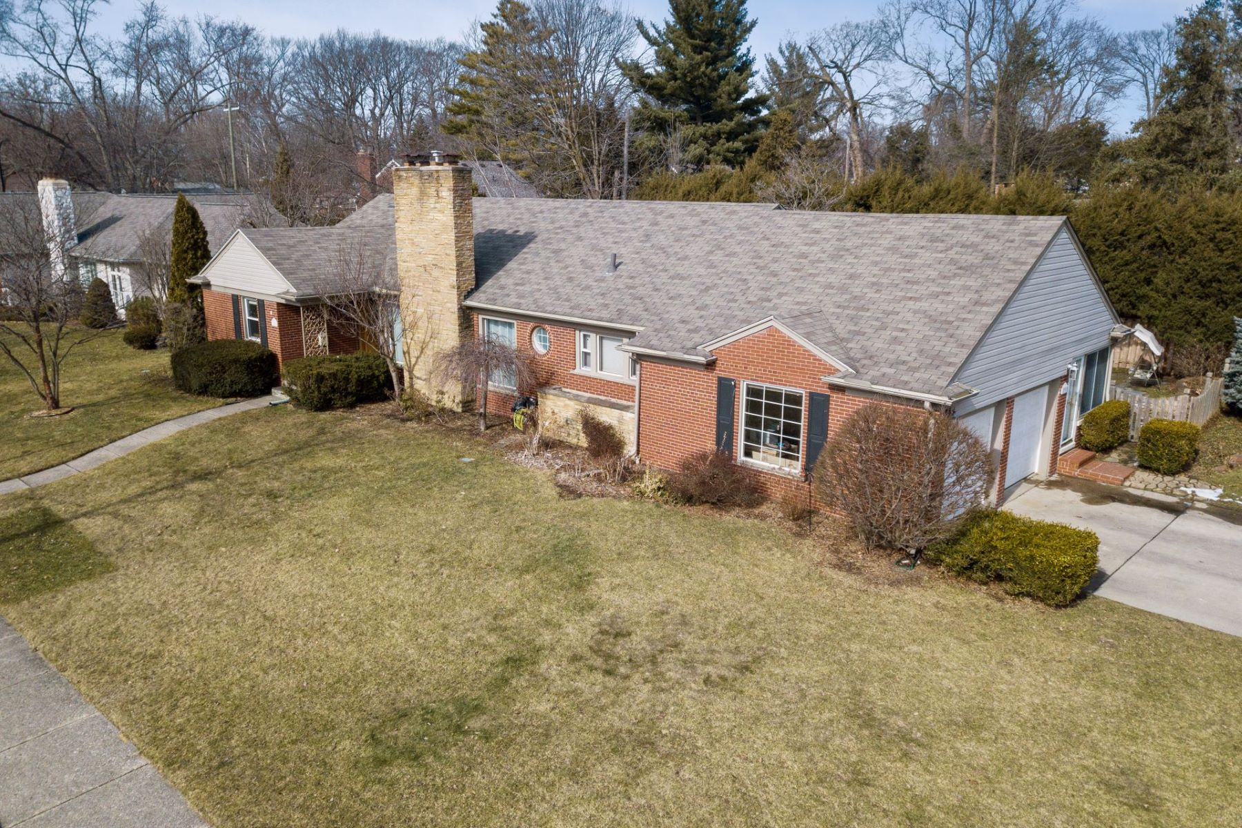 Single Family Homes for Sale at Grosse Pointe Farms 290 Stephens Rd. Grosse Pointe Farms, Michigan 48236 United States