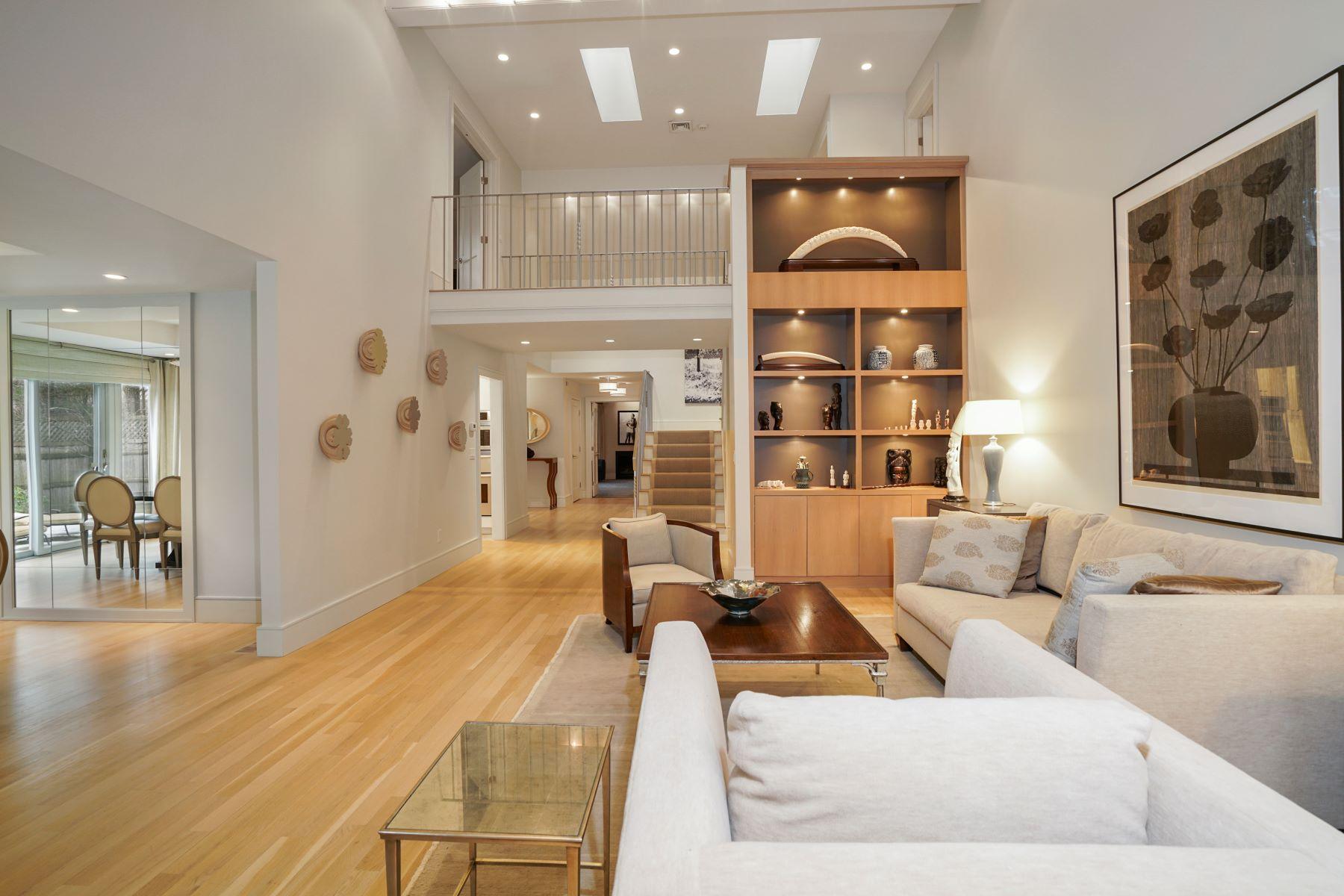 Condominiums por un Venta en 437 Dedham St D Newton, Massachusetts 02459 Estados Unidos