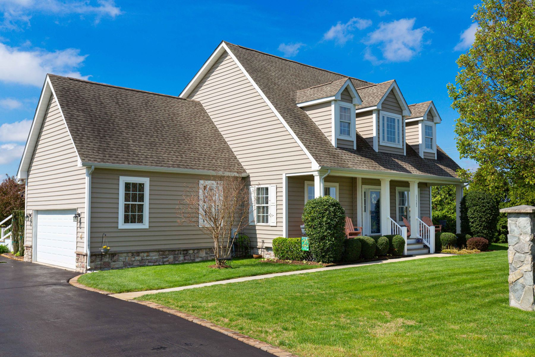 Single Family Homes for Active at 23584 Harvest Run Reach Milton, Delaware 19968 United States