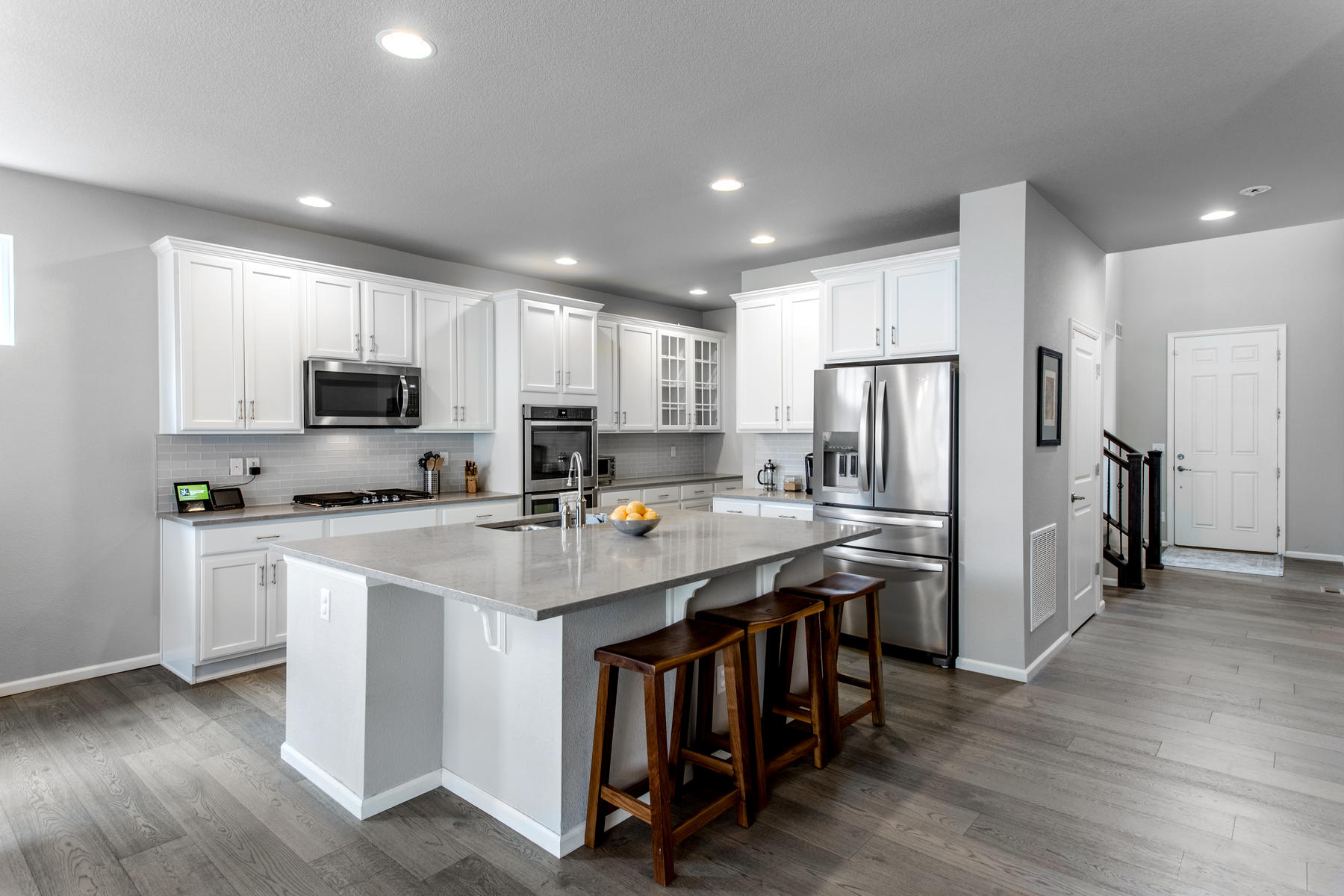 Single Family Homes para Venda às A coveted Prominence Model is available now 7128 W Adriatic, Lakewood, Colorado 80227 Estados Unidos