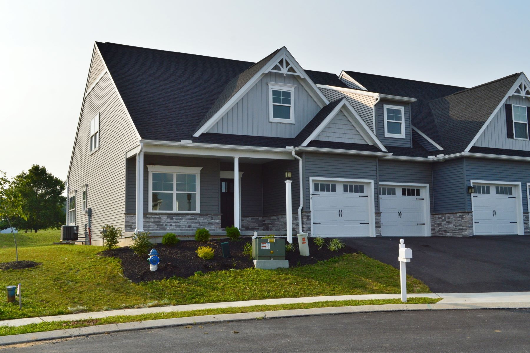 Single Family Homes for Sale at Featherton Crossing 148 Canvasback Lane Lot 20 Elizabethtown, Pennsylvania 17022 United States