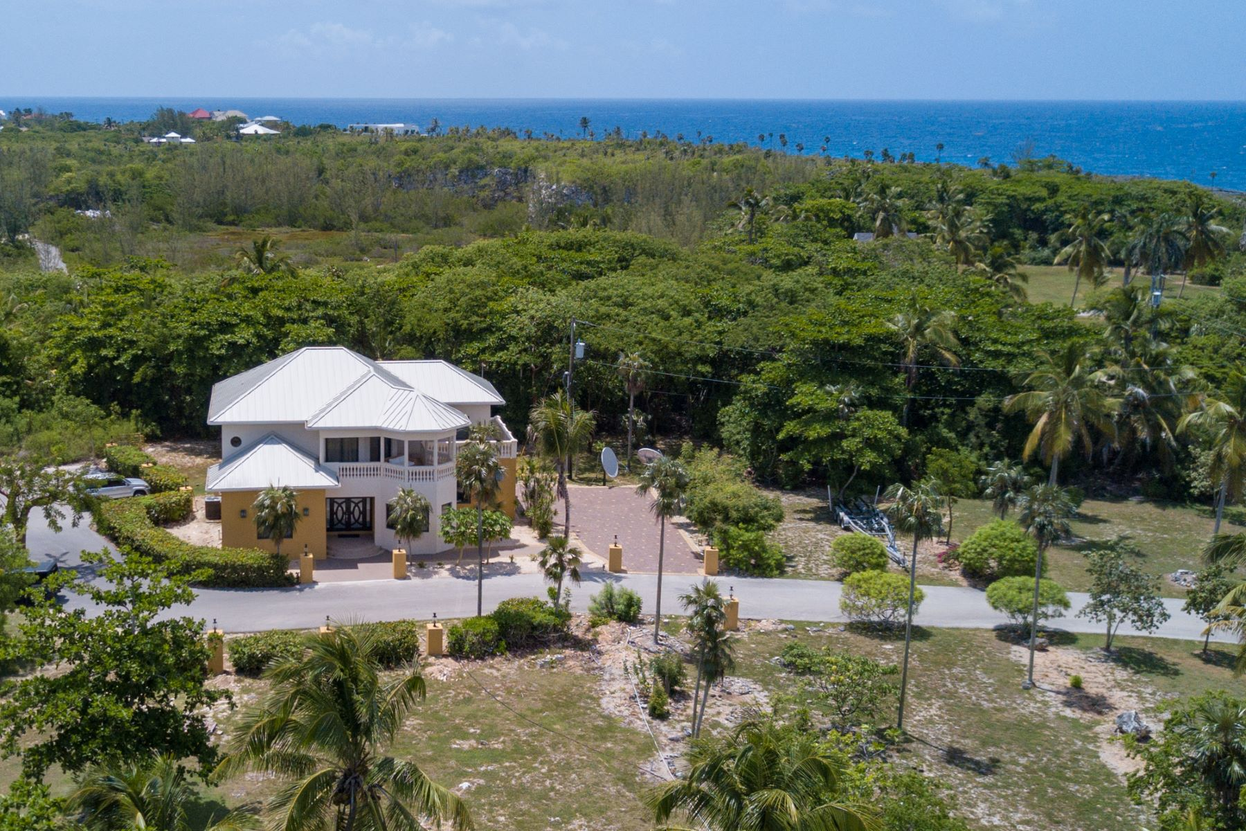 Single Family Home for Sale at St James Court Villa Savannah, Cayman Islands