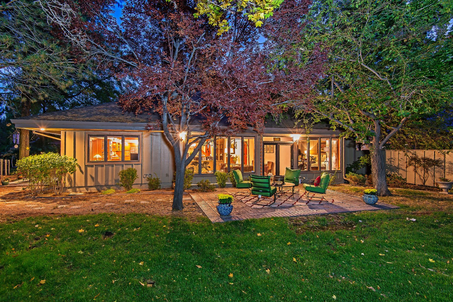 Additional photo for property listing at 3835 Caughlin Pkwy, Reno, Nevada 3835 Caughlin Pkwy Reno, Nevada 89519 United States