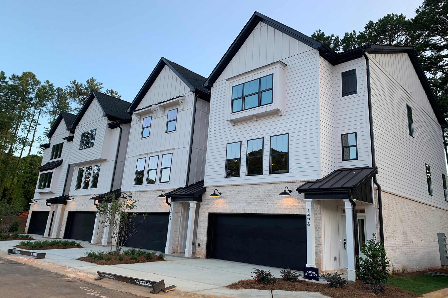 townhouses 용 매매 에 Beautiful New Townhome Located in Desirable Decatur 2729 Lawrenceville Highway No. 31, Decatur, 조지아 30033 미국