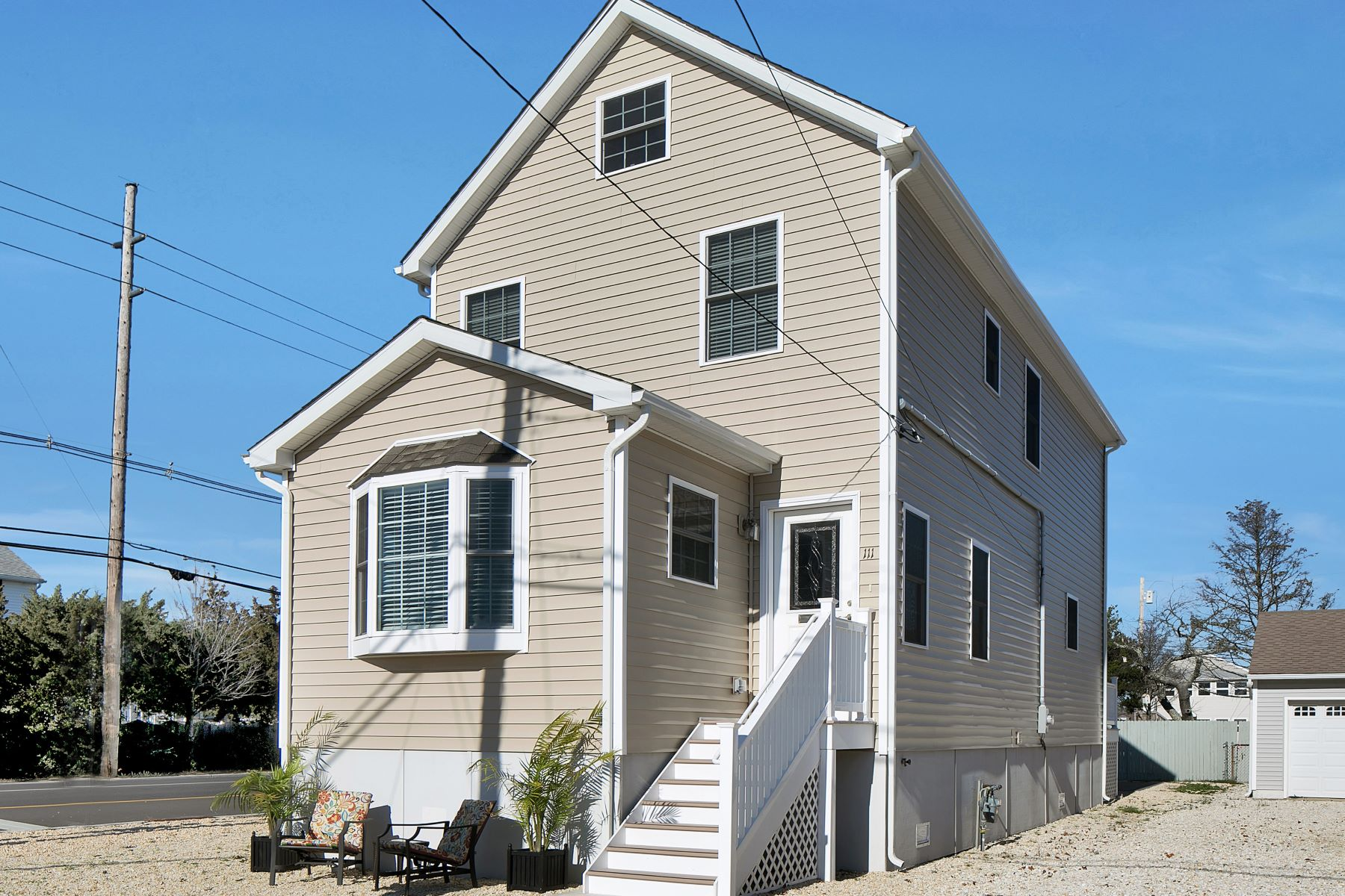 Maison unifamiliale pour l Vente à One Block To Either Bay Or Beach 111 President Avenue Lavallette, New Jersey 08735 États-Unis