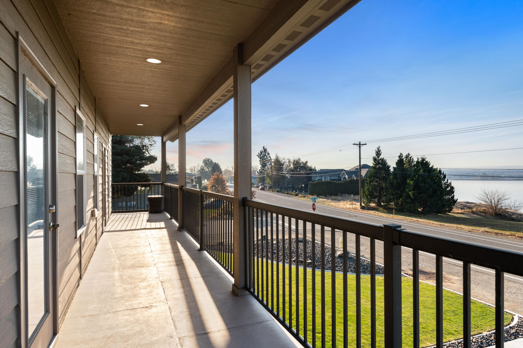 Single Family Homes for Sale at Stunning River views! 10901 Court Street Pasco, Washington 99301 United States