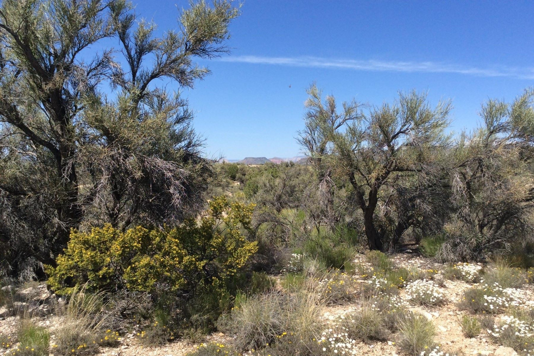 Land for Active at Western edge of the community with views of the Mogollon Rim. 4730 E Crazy Horse Circle Rimrock, Arizona 86335 United States