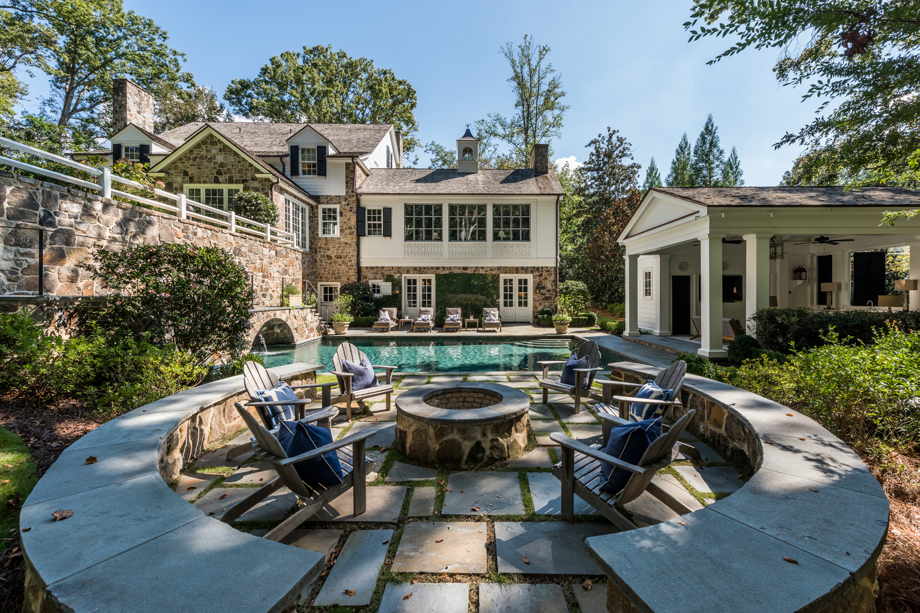 Additional photo for property listing at Stunning Estate On Private 2.3+/- Acres 1035 Nawench Drive NW Atlanta, Georgia 30327 United States