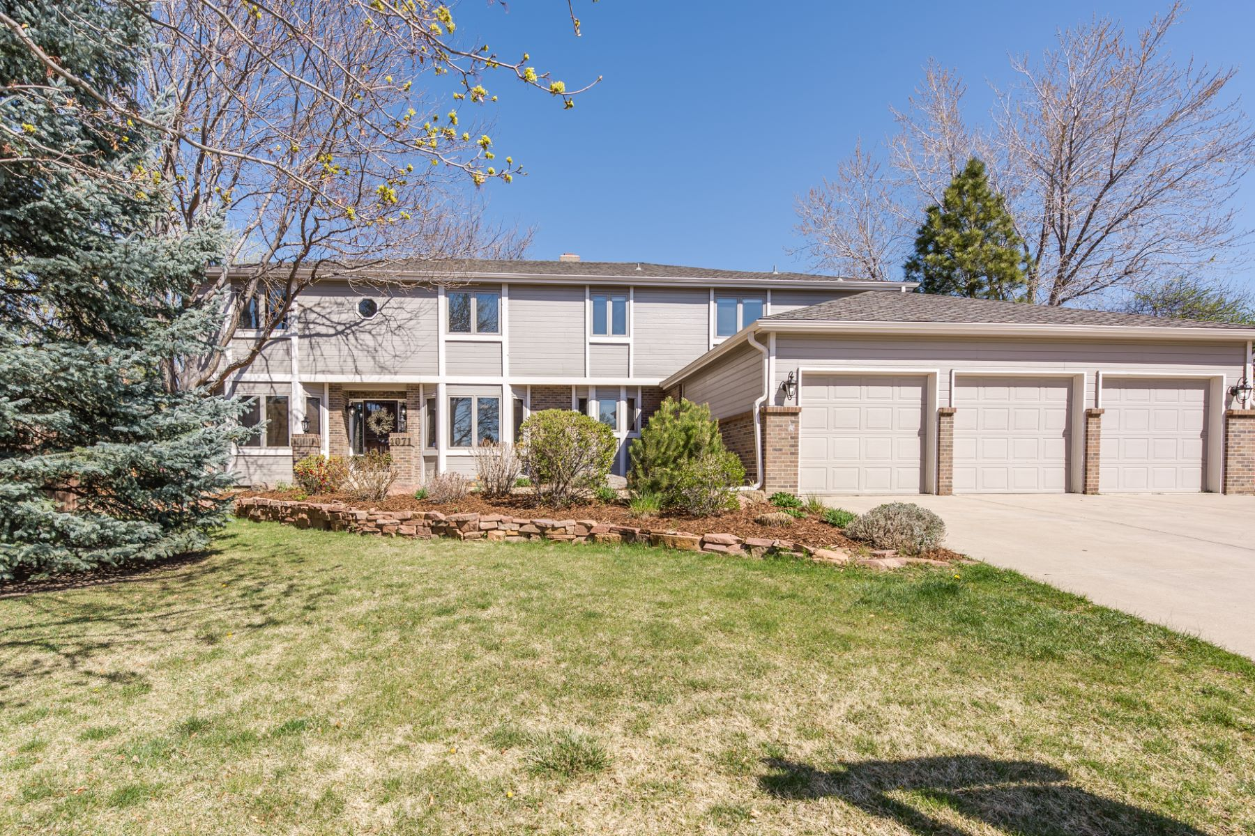 Single Family Home for Sale at 4071 S Zephyr 4071 South Zephyr Court Lakewood, Colorado, 80235 United States