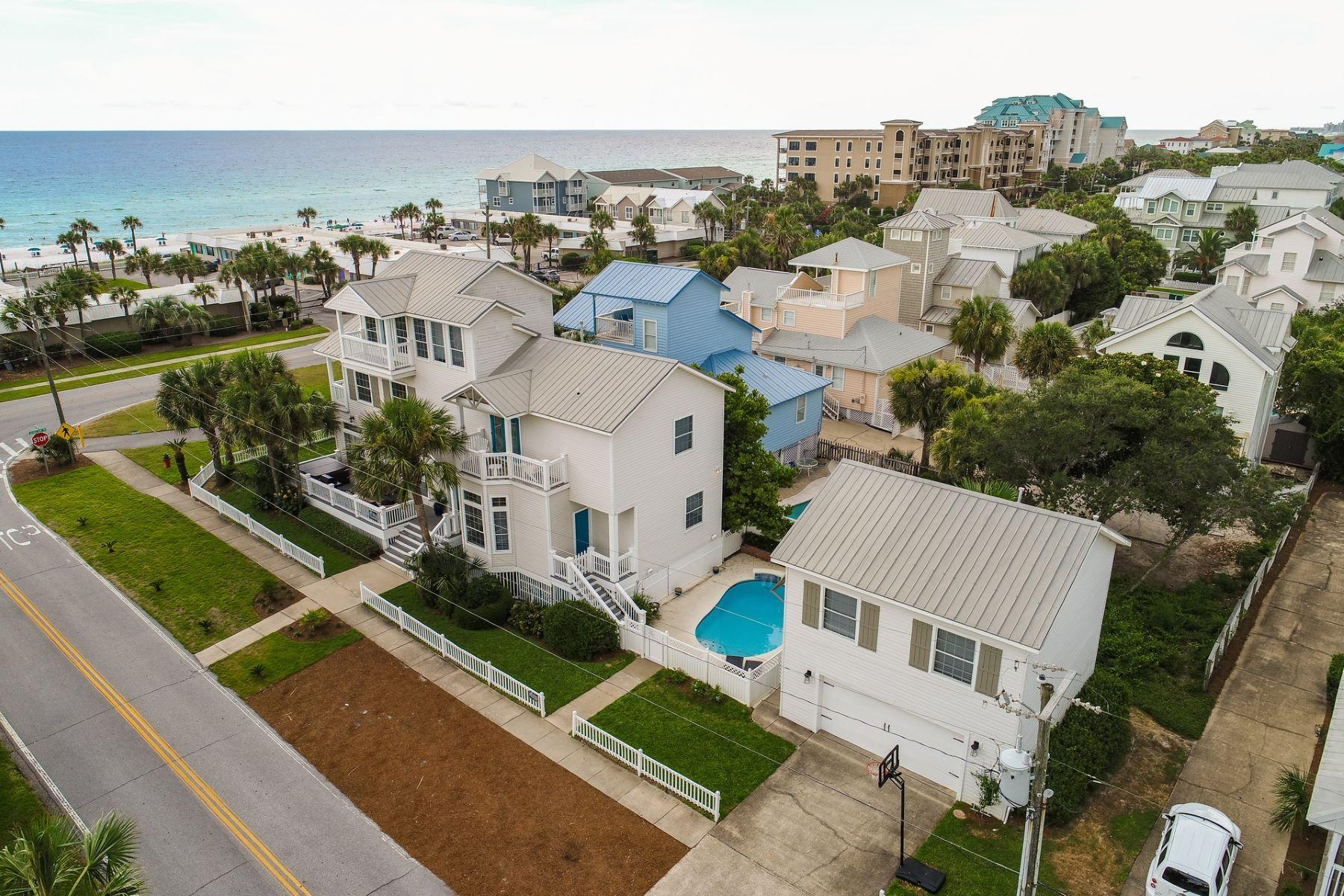 단독 가정 주택 용 매매 에 DESTIN FLORIDA GULF VIEW VACATION RENTAL ONE LOT OFF BEACH 64 Cobia Street Destin, 플로리다, 32541 미국