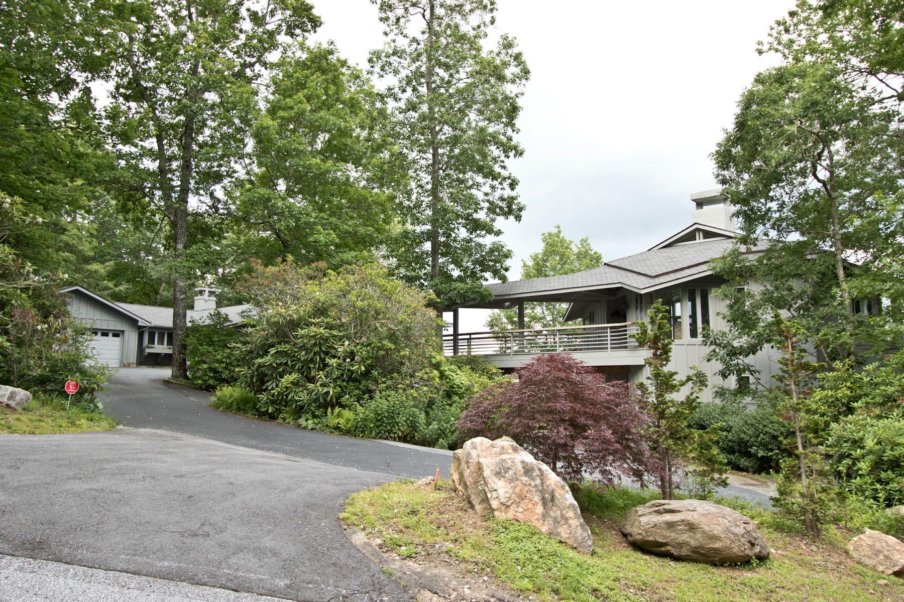 Maison unifamiliale pour l Vente à 635 Cowee Ridge Road Highlands, Carolina Du Nord, 28741 États-Unis