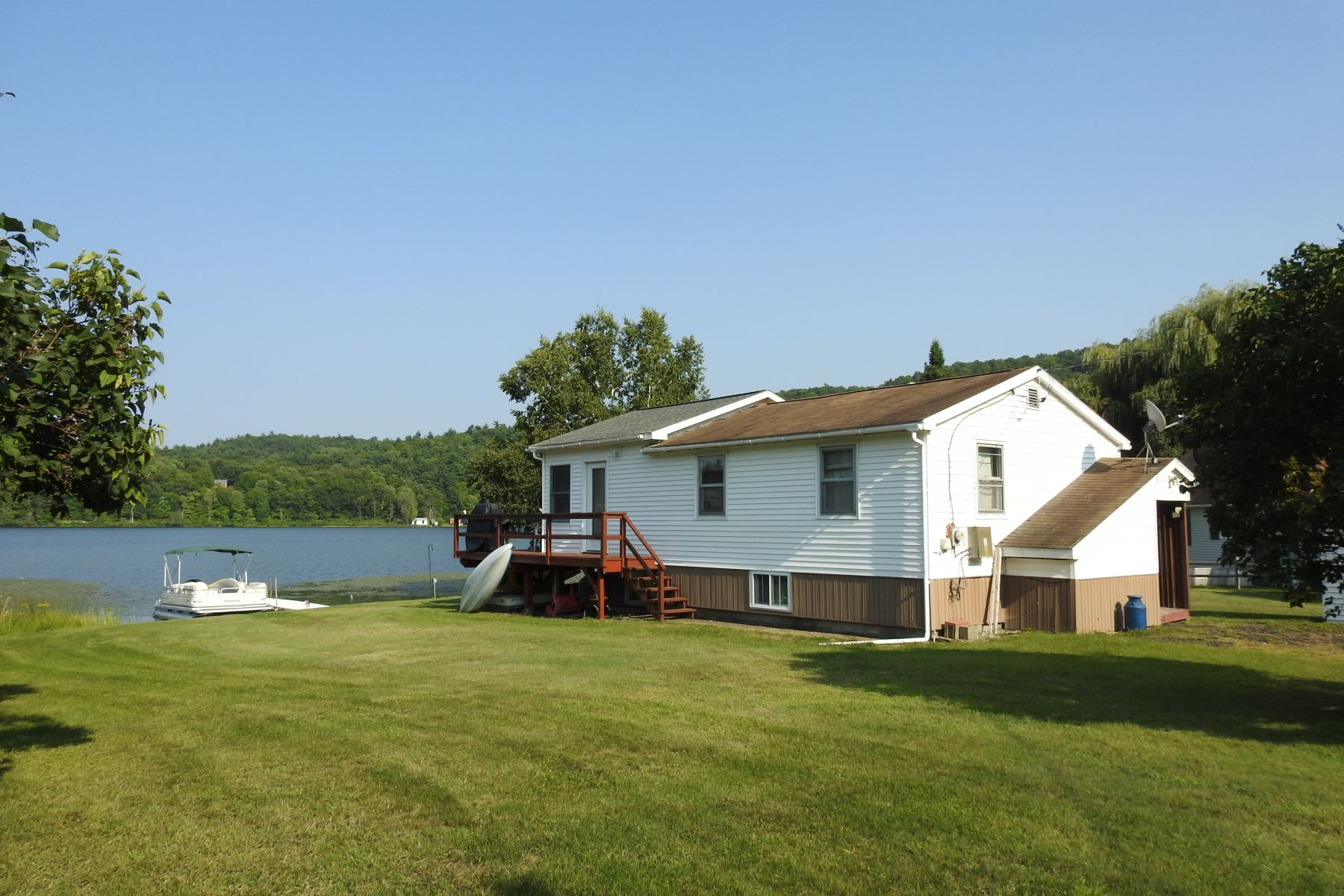 single family homes for Sale at Waterfront Ranch 73 Steele Rd Sudbury, Vermont 05733 United States