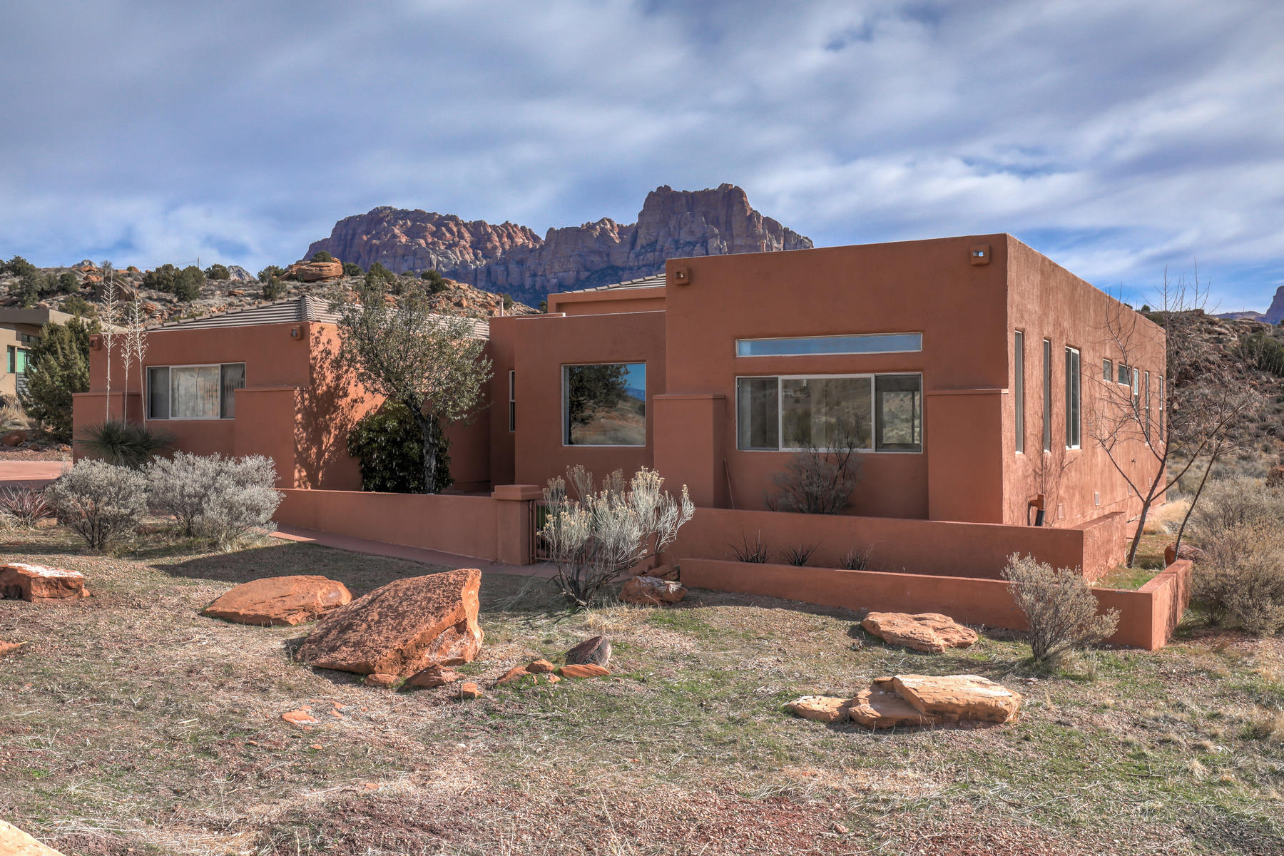 Single Family Homes for Sale at Spacious Southwestern 2 Miles From Zion National Park 2702 Hopi Circle Springdale, Utah 84767 United States