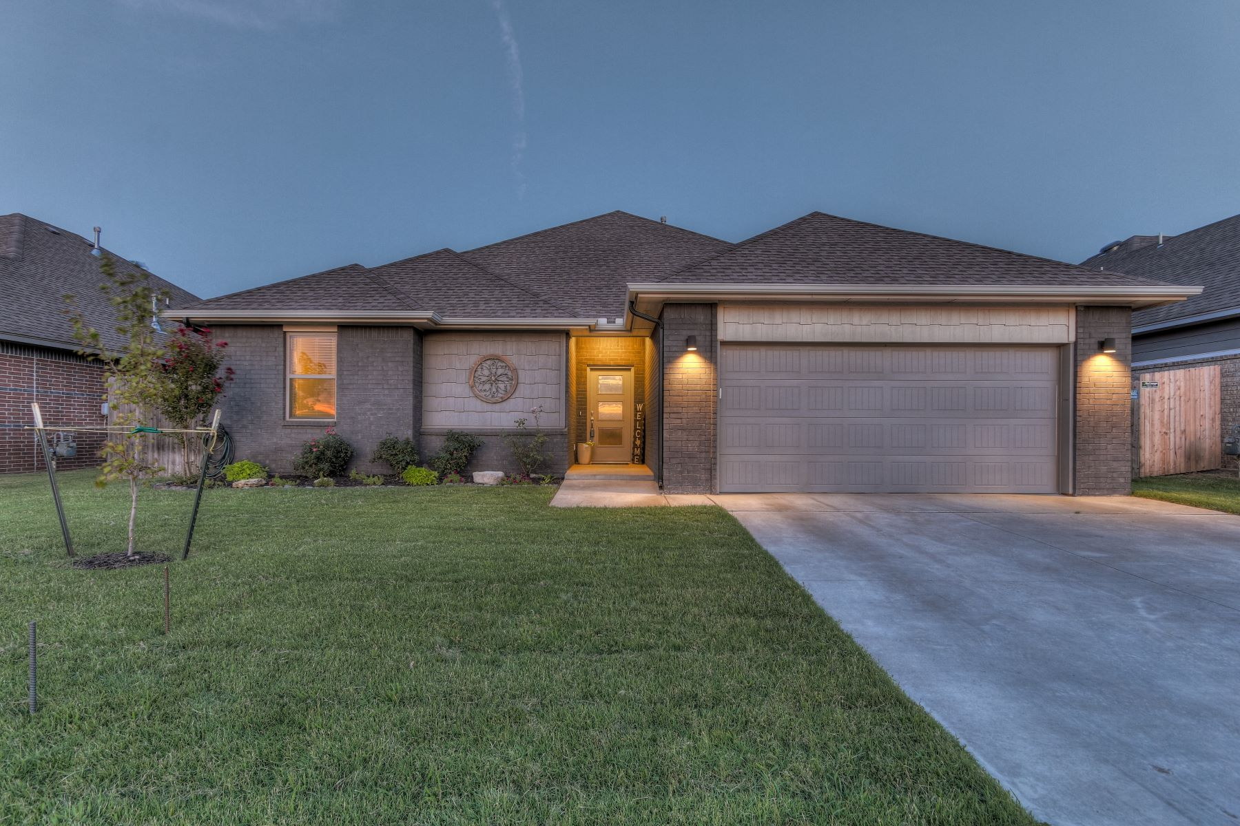 Single Family Homes for Active at Ranch Style Reimagined 10612 Glover River Drive Yukon, Oklahoma 73099 United States