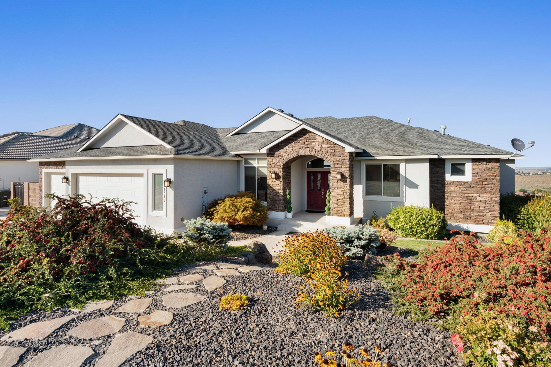 Single Family Homes for Sale at PANORAMIC VEIW 1342 WHITE BLUFFS ST Richland, Washington 99352 United States