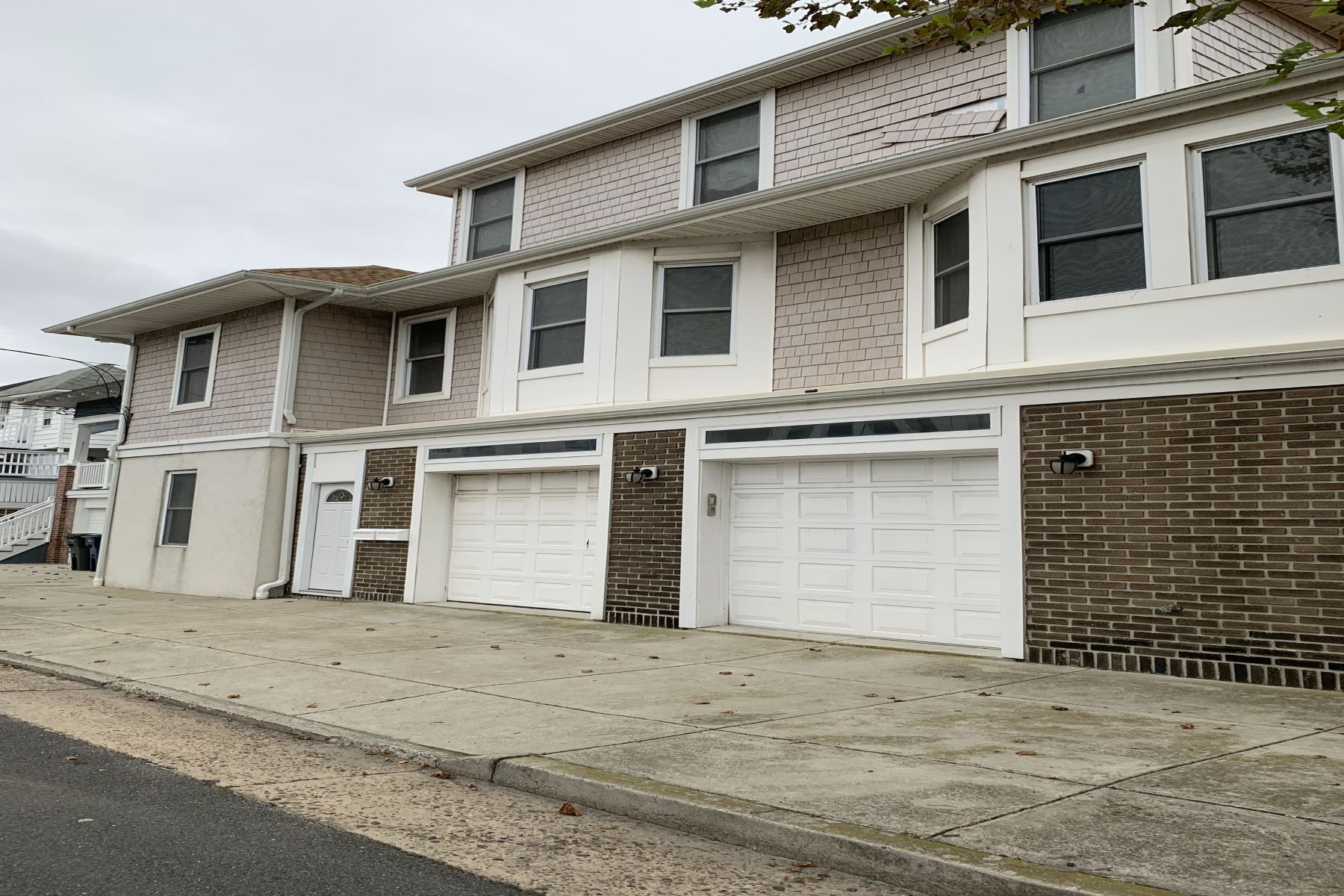 Multi-Family Homes por un Venta en 5123 Ventnor Ave, Unit A Ventnor, Nueva Jersey 08406 Estados Unidos