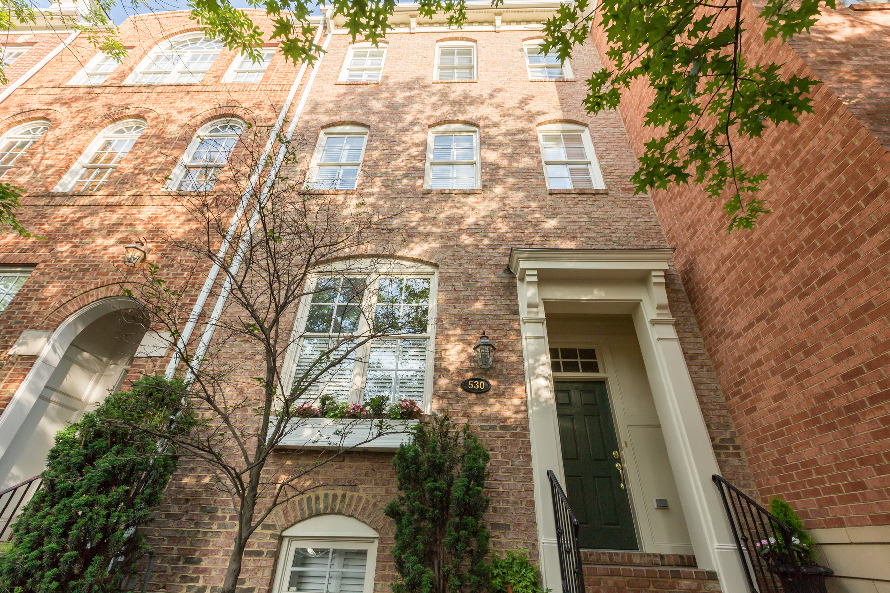 Townhouse for Sale at 530 Pitt Street N, Alexandria Alexandria, Virginia, 22314 United States