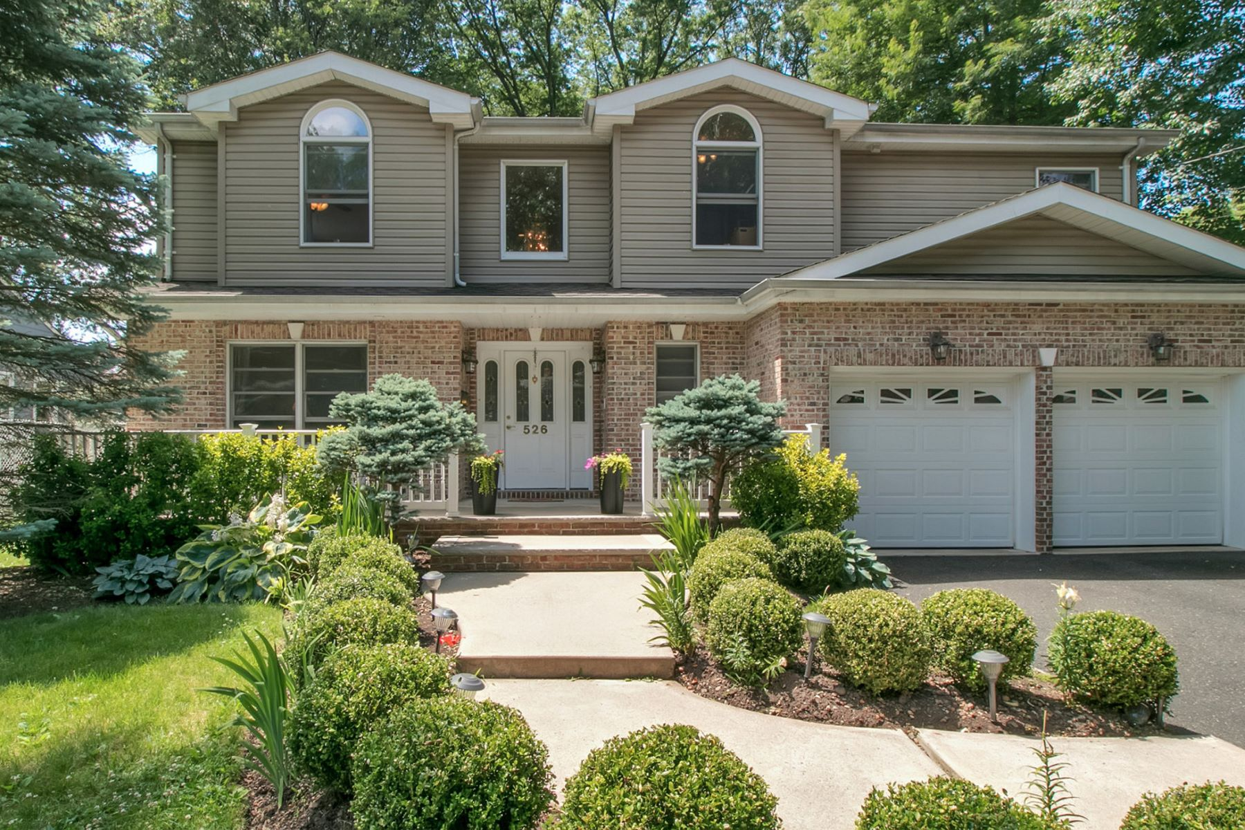 Casa Unifamiliar por un Venta en Inviting Front Porch 526 Chestnut St Township Of Washington, Nueva Jersey 07676 Estados Unidos