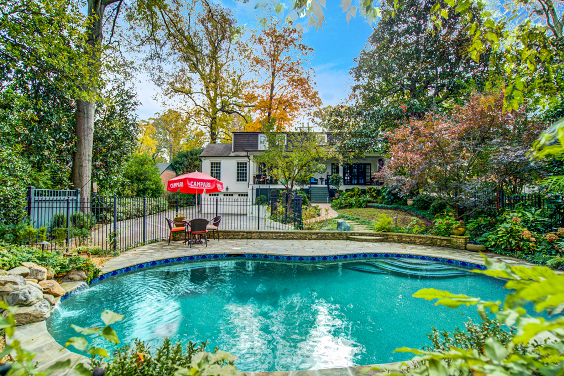 Eensgezinswoning voor Verkoop een t Stunning Slice Of Paradise In Ansley Park With Gorgeous Renovations 218 Beverly Road NE Atlanta, Georgië 30309 Verenigde Staten