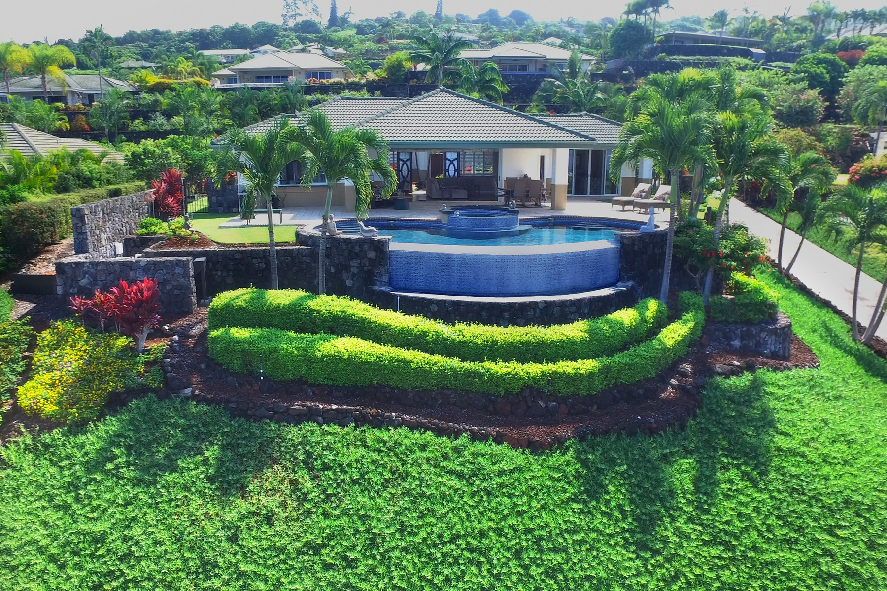 独户住宅 为 销售 在 Iolani Subdivision 78-864 N. Pueo Pl 纳市, 夏威夷, 96740 美国