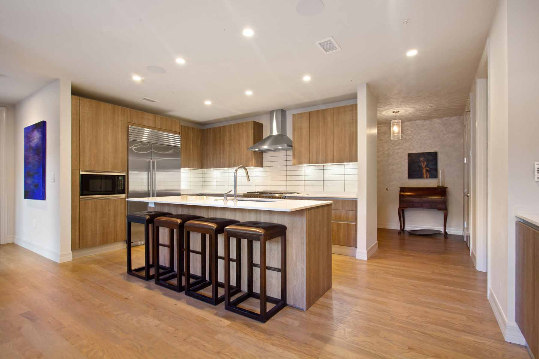 Additional photo for property listing at Absolutely Stunning Corner Residence In Desirable Seventh Midtown 867 Peachtree Street NE #203 Atlanta, Georgia 30308 United States