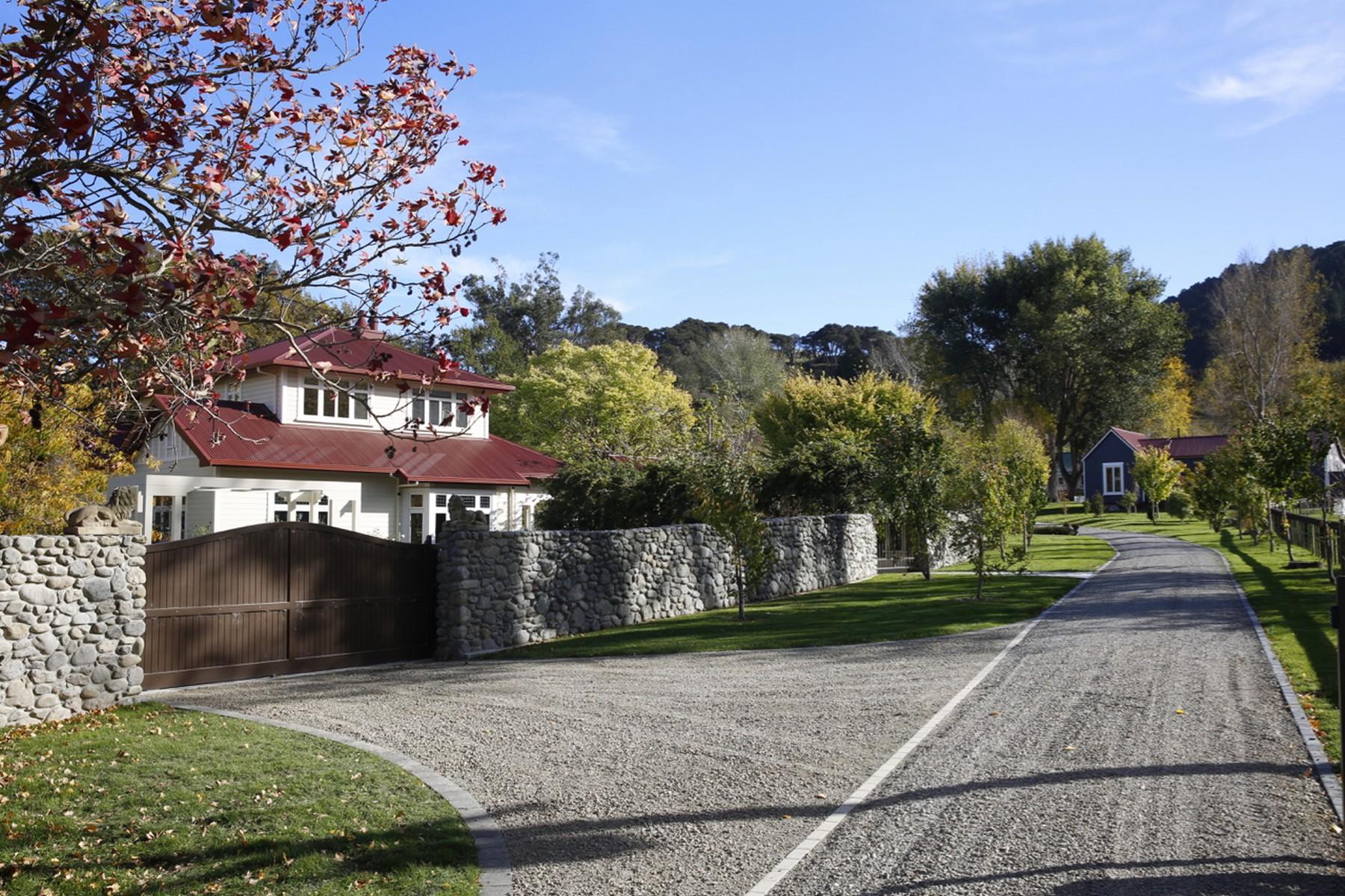 Ferme / Ranch / Plantation pour l Vente à Tinui Station Homestead 4195 Masteron Castlepoint Road Tinui Masterton, Wellington 5889 Nouvelle-Zélande