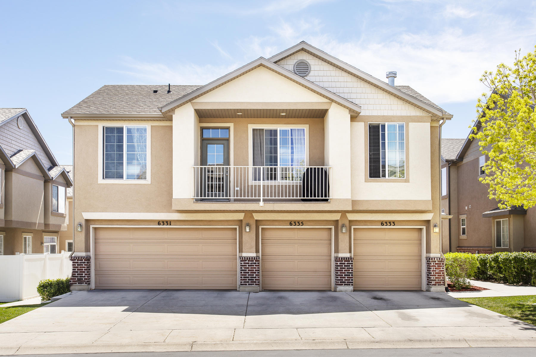 townhouses for Sale at Adorable Townhouse 6333 W Traveler Ln West Jordan, Utah 84081 United States