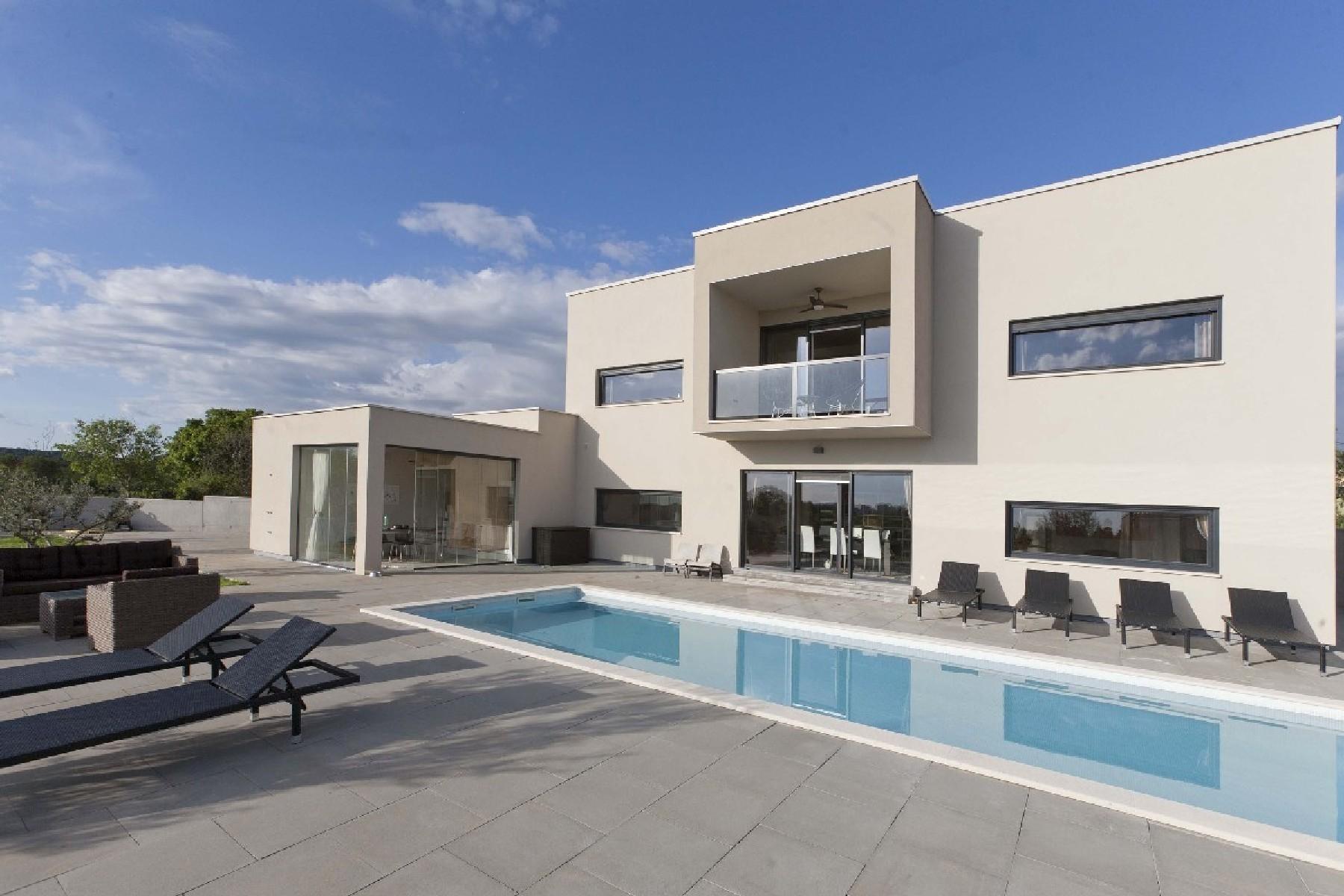 Частный односемейный дом для того Продажа на Villa Olea Ulica Orban 9, Pula, Istria, 52100 Croatia
