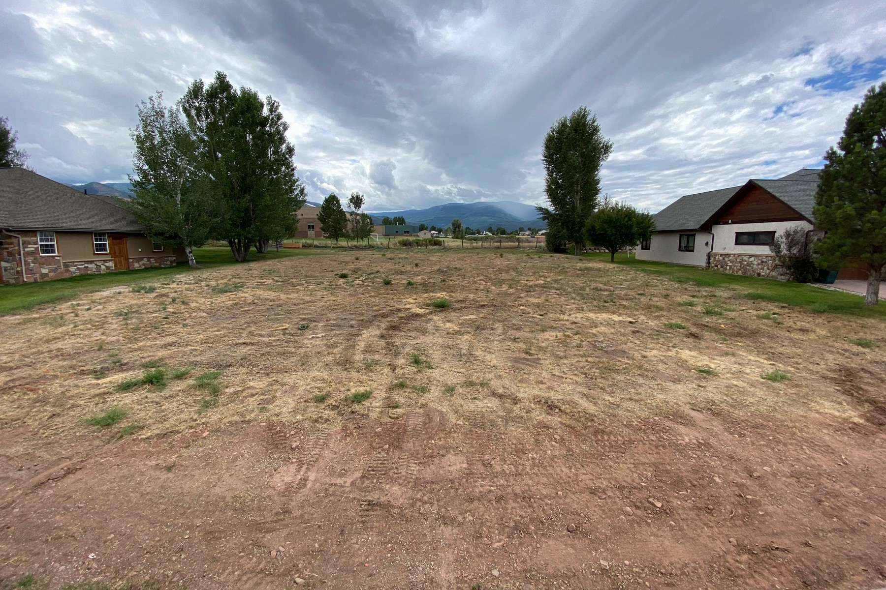Land for Active at Great opportunity to build a home of your dreams 251 Timberwolf Gypsum, Colorado 81637 United States