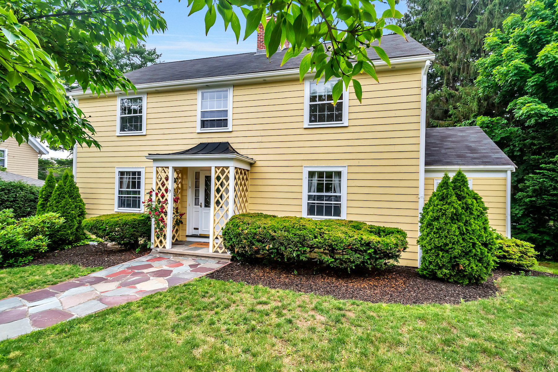 Single Family Home for Sale at 9 Mystic Ave Winchester, Massachusetts 01890 United States