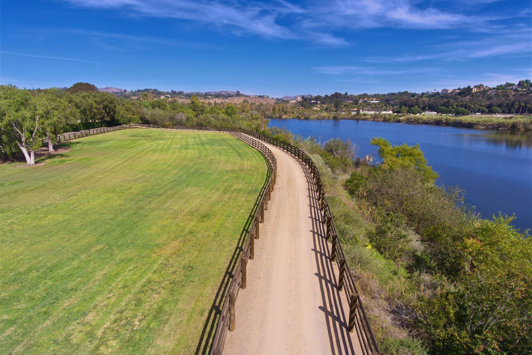 Additional photo for property listing at Willow Creek Estancia  Rancho Santa Fe, Kalifornien 92067 Vereinigte Staaten