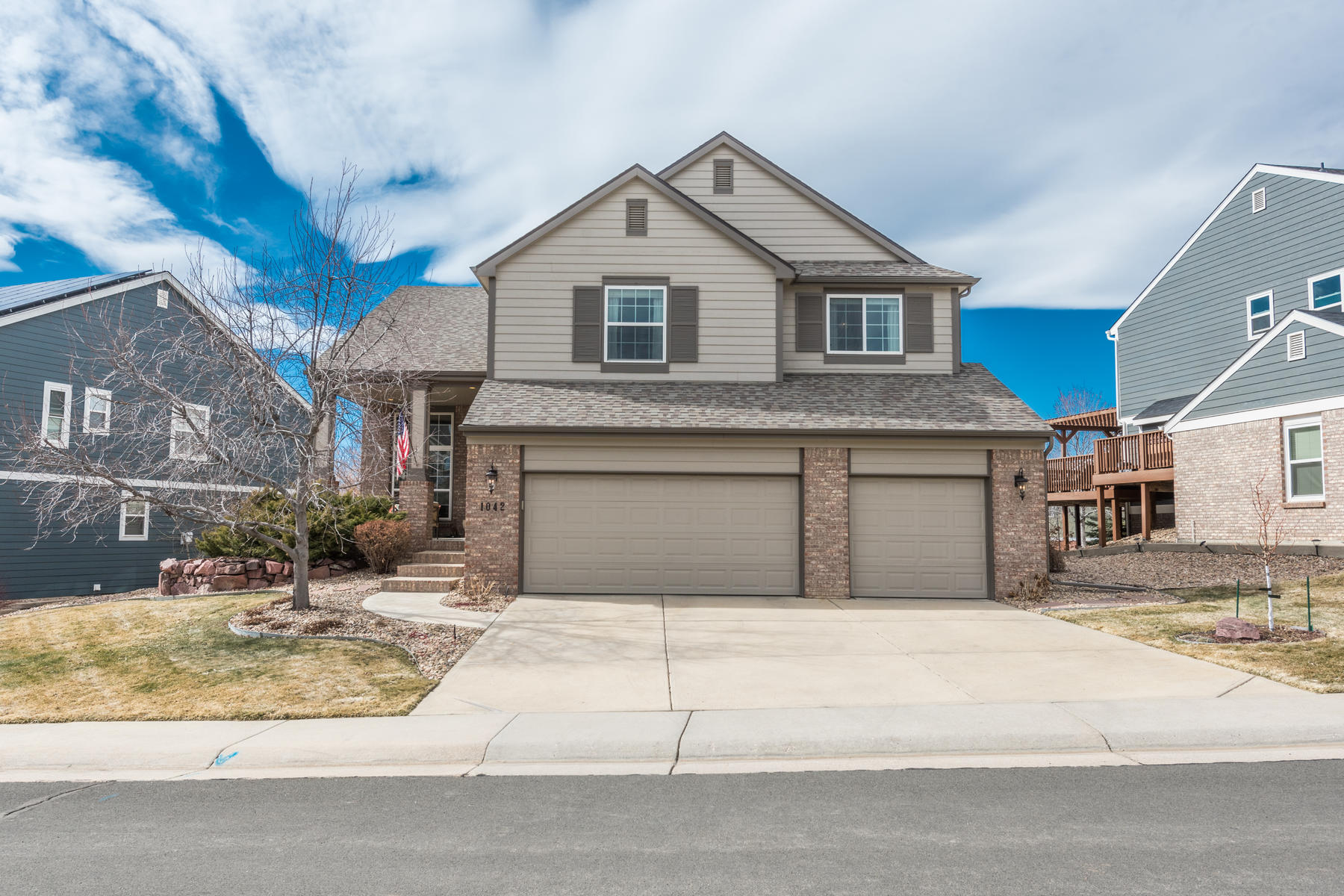 Single Family Homes のために 売買 アット This home is perfect for the person who wants everything just right! 1042 Southbury Place Highlands Ranch, コロラド 80129 アメリカ