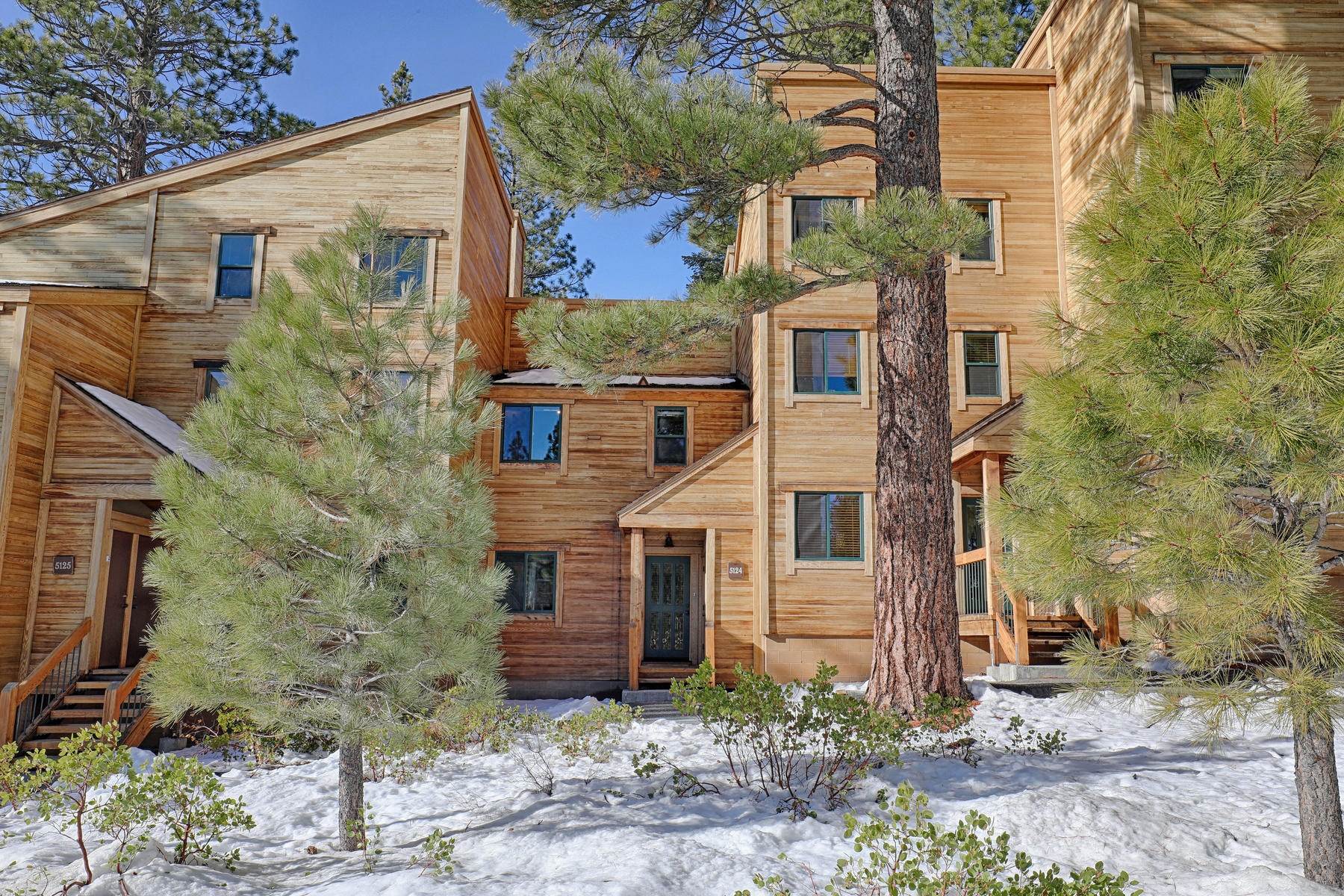 Condominium for Active at 5128 Gold Bend, Truckee, CA 96161 5124 Gold Bend Truckee, California 96161 United States