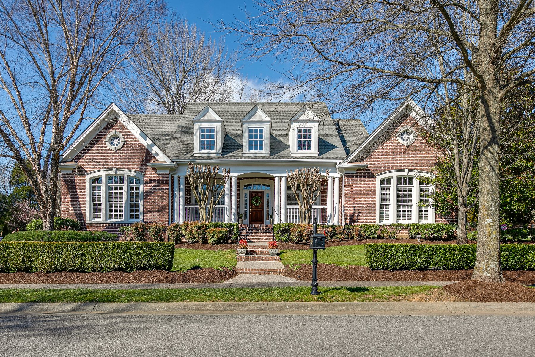 Single Family Homes pour l Vente à Franklin, Tennessee 37067 États-Unis