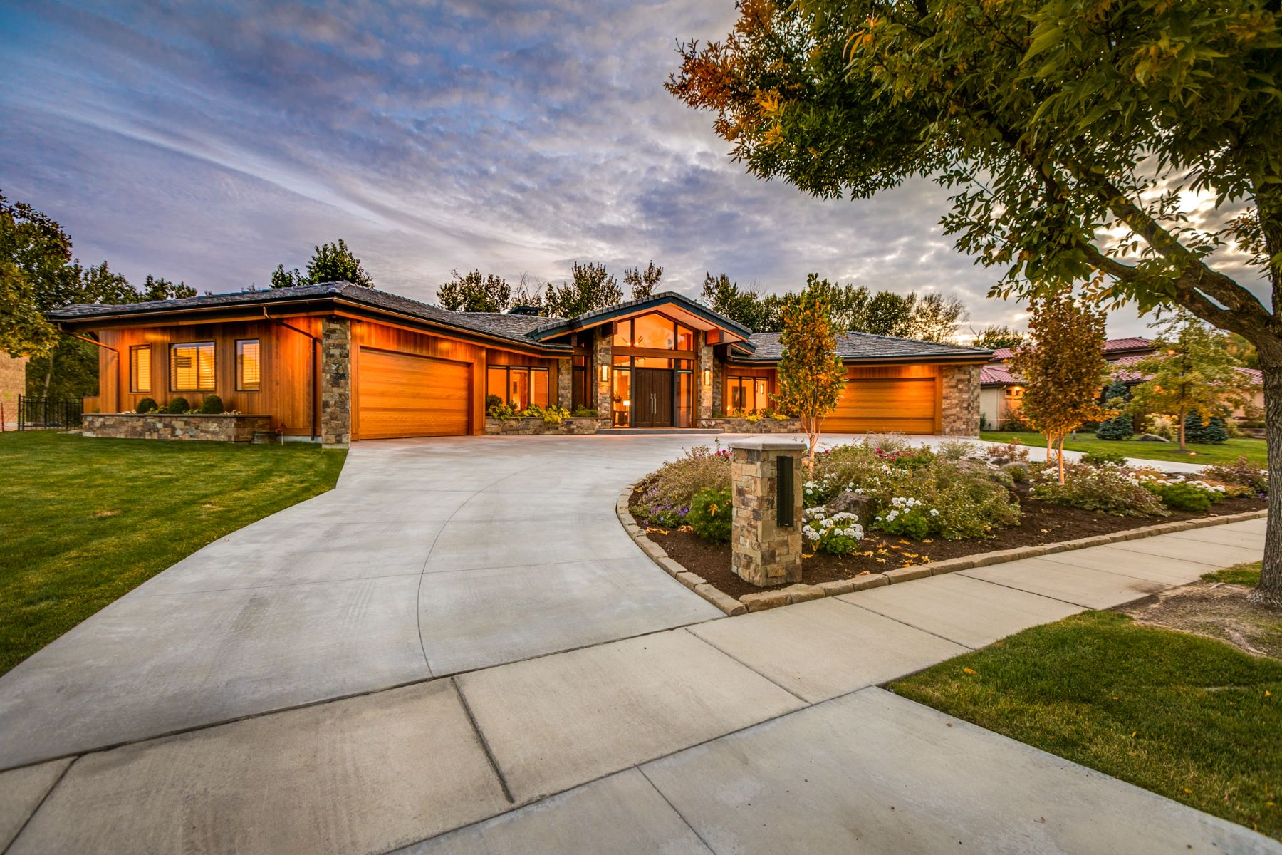 Single Family Homes for Active at 10271 W River Rock Ln, Garden City 10271 W River Rock Ln Garden City, Idaho 83714 United States