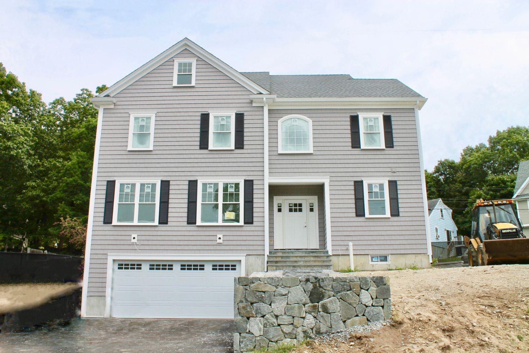 Single Family Homes pour l Vente à 30 Ewell Avenue Lexington, Massachusetts 02421 États-Unis