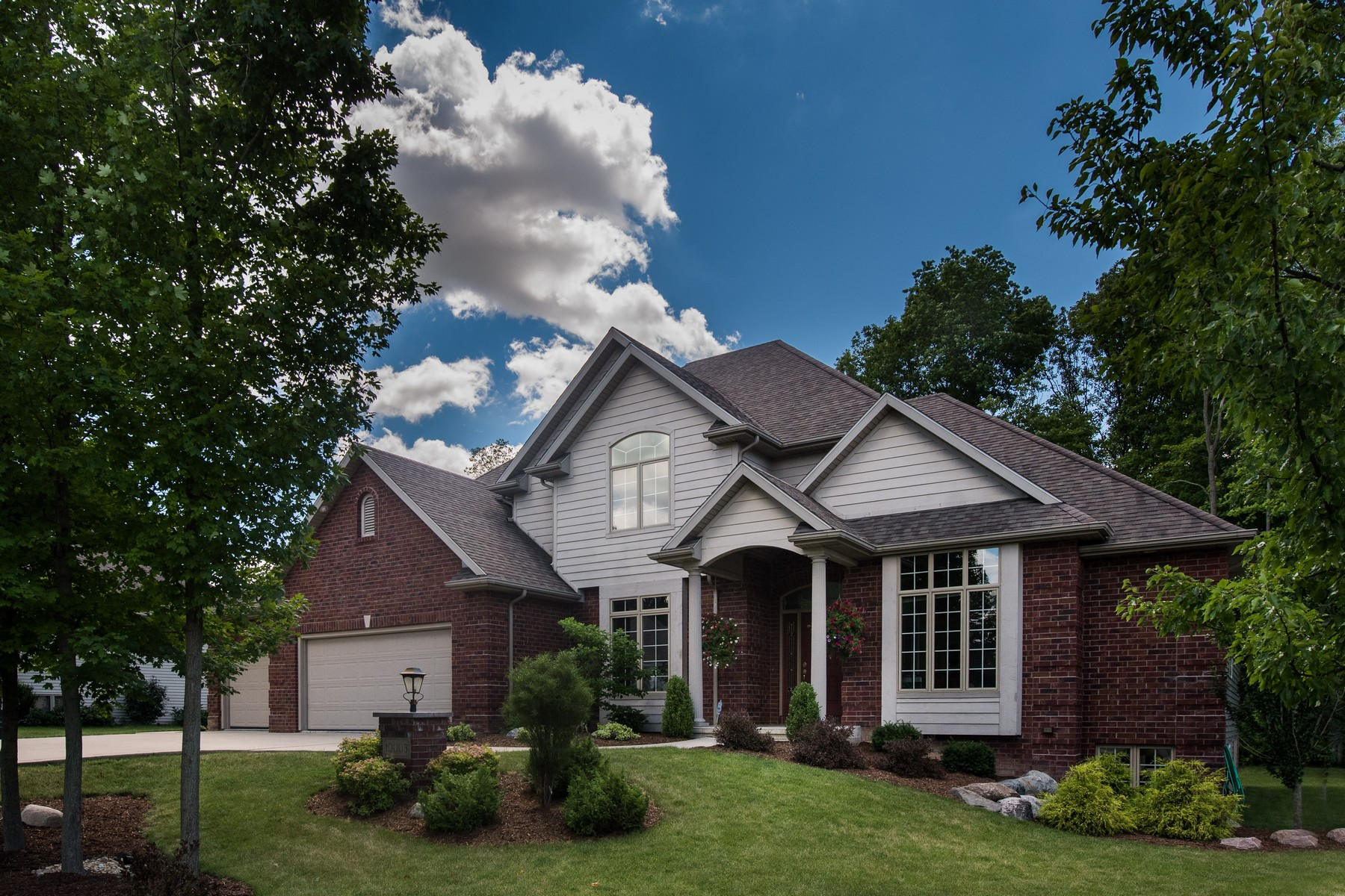 Single Family Home for Sale at Classic and Refined 10003 Agora Place Fort Wayne, Indiana 46804 United States