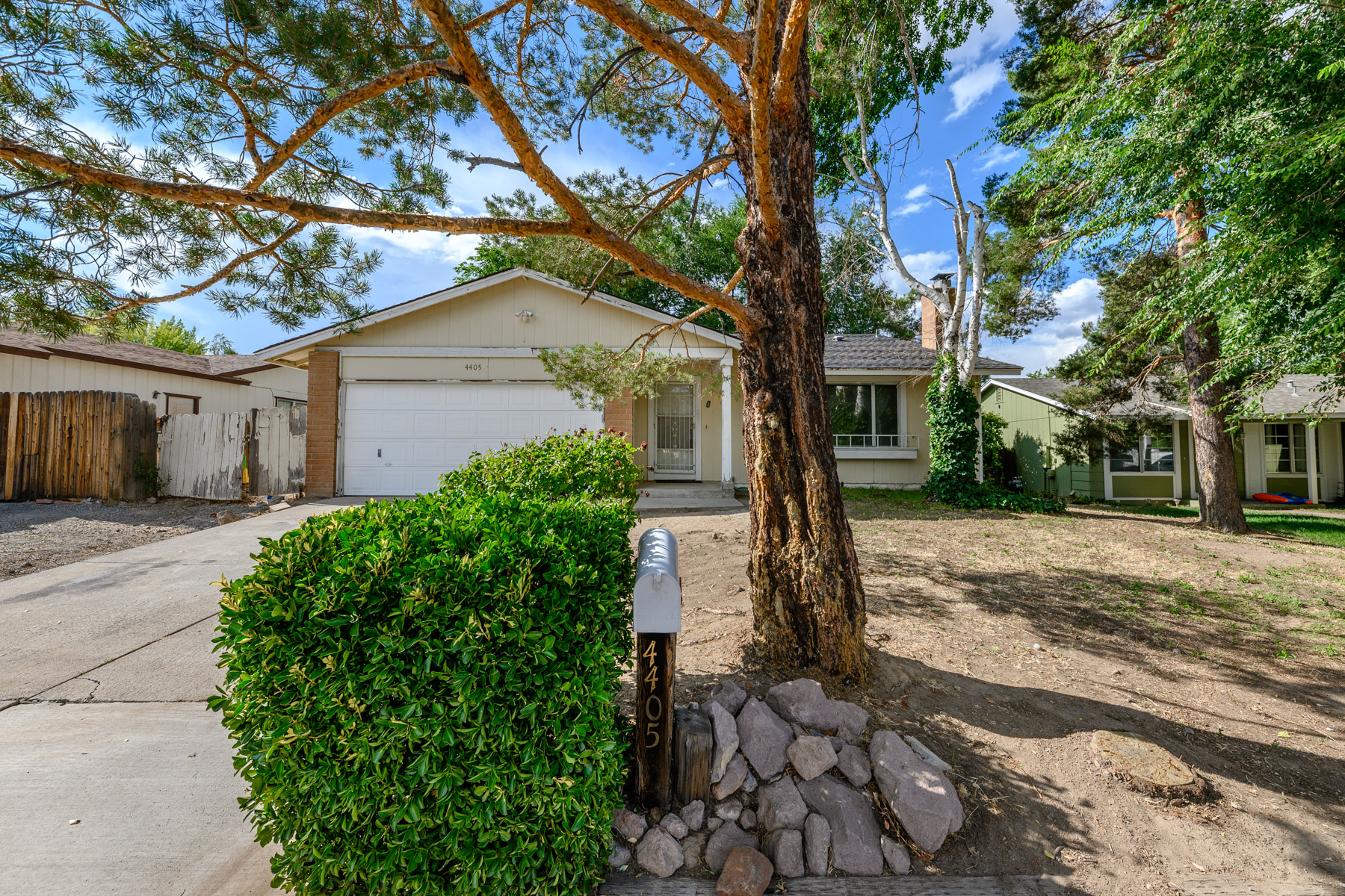 Additional photo for property listing at 4405 Spring Drive, Reno, Nevada 4405 Spring Dr. Reno, Nevada 89502 United States