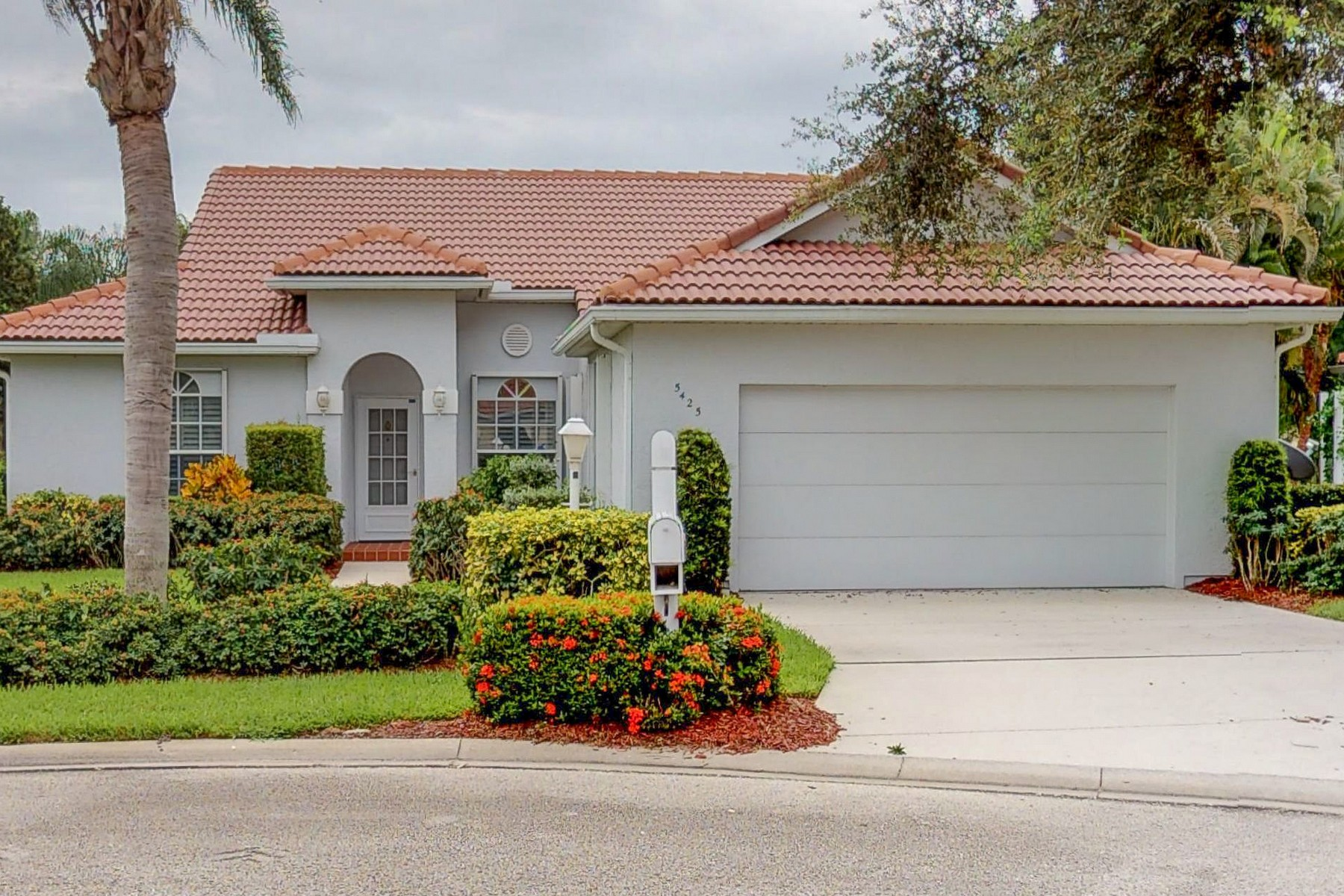 Single Family Home for Sale at Dreamy Location, Walk to Town, All Updated! 5425 25th Place Vero Beach, Florida 32966 United States