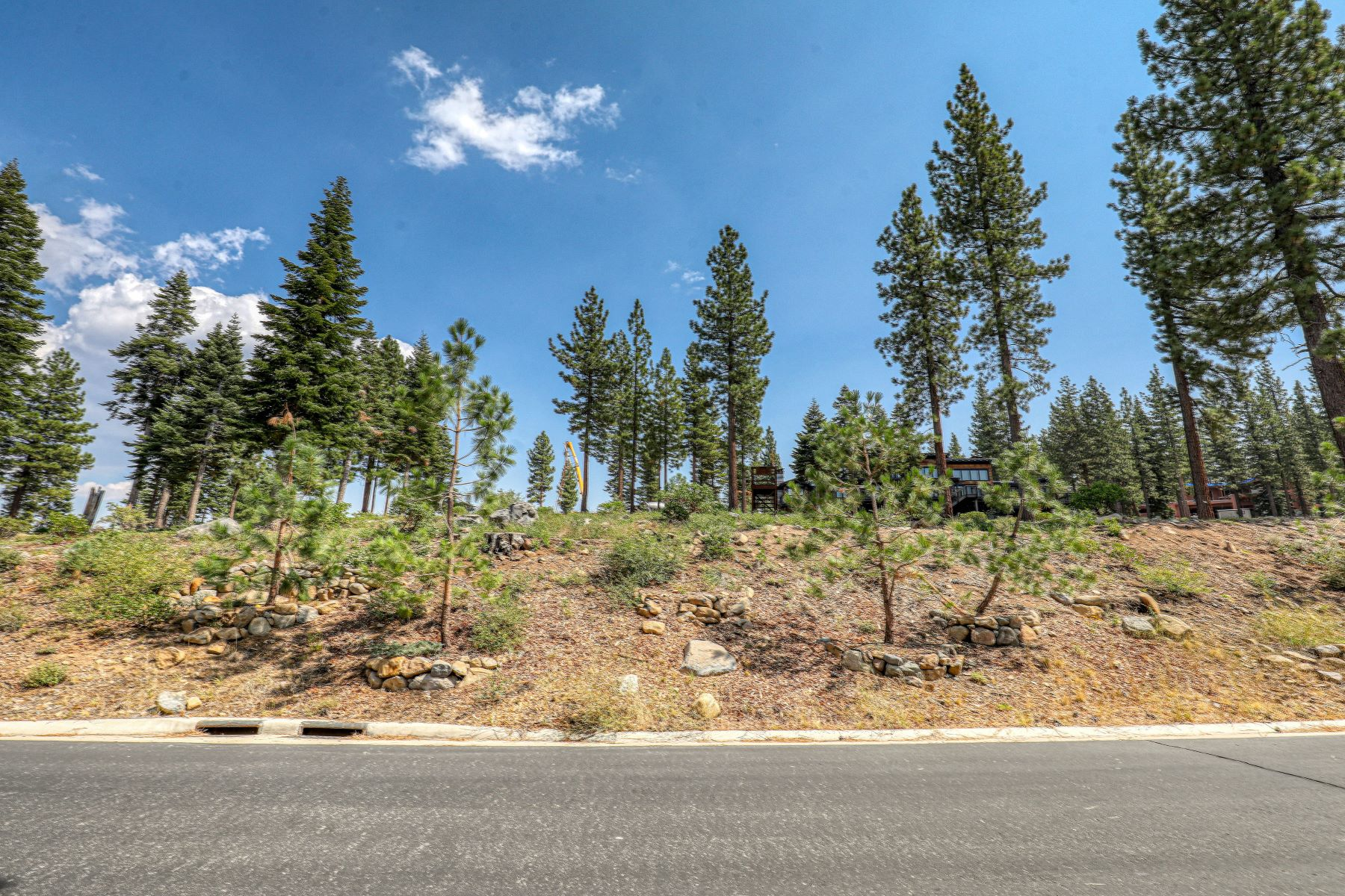 Land for Active at Cambridge Estates Homesite 15430 Chelmsford Truckee, California 96161 United States