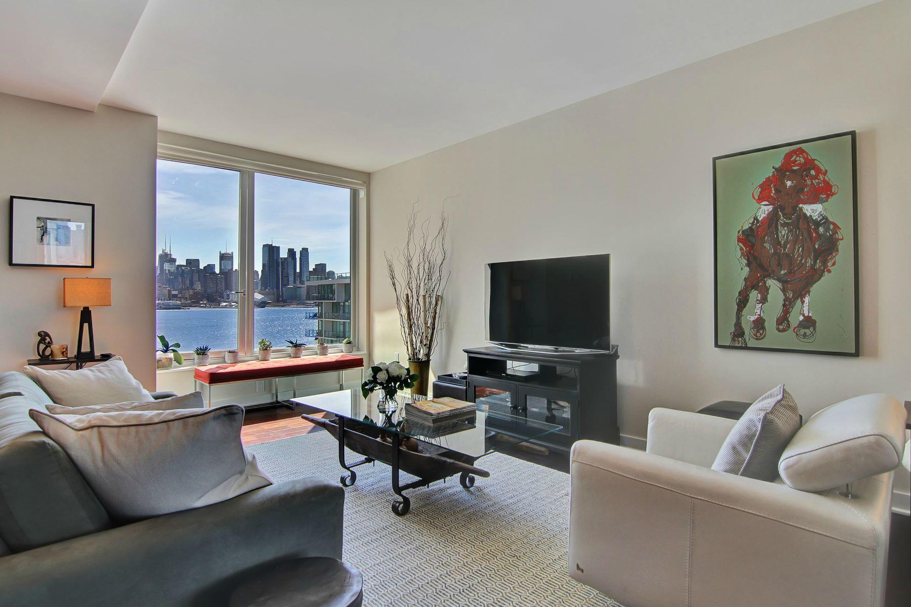 Appartement en copropriété pour l Vente à THE GEM OF THE GOLD COAST 1000 Avenue at Port Imperial #615, Weehawken, New Jersey 07086 États-Unis
