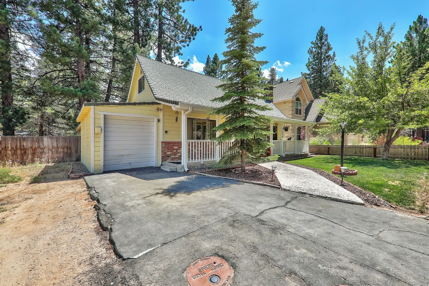 Additional photo for property listing at 2656 Rose Ave. South Lake Tahoe, CA 96150 2656 Rose Ave. South Lake Tahoe, California 96150 United States