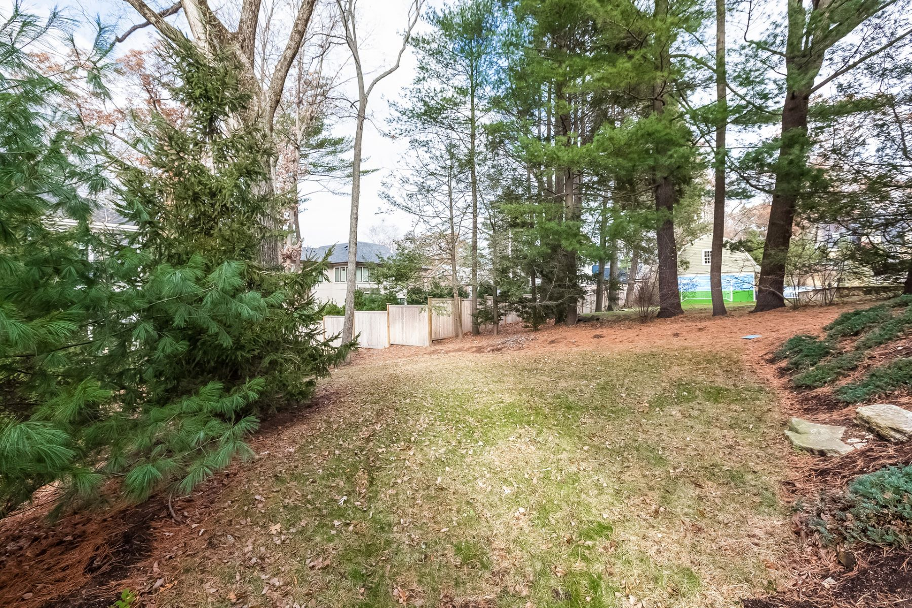 Additional photo for property listing at 181 Pine Ridge Road, Newton 181 Pine Ridge Rd Newton, Massachusetts 02468 United States