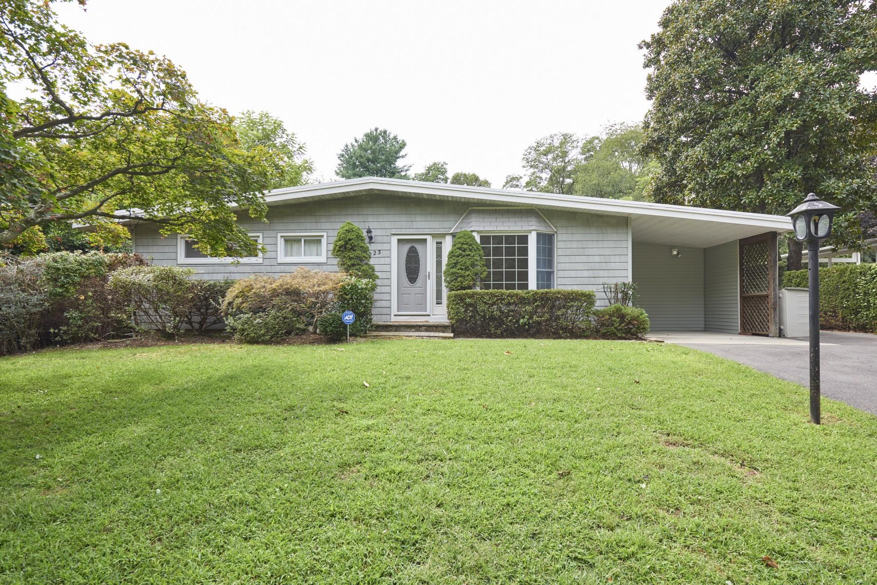Single Family Homes för Försäljning vid 223 Parkview Terrace, Middletown Lincroft, New Jersey 07738 Förenta staterna
