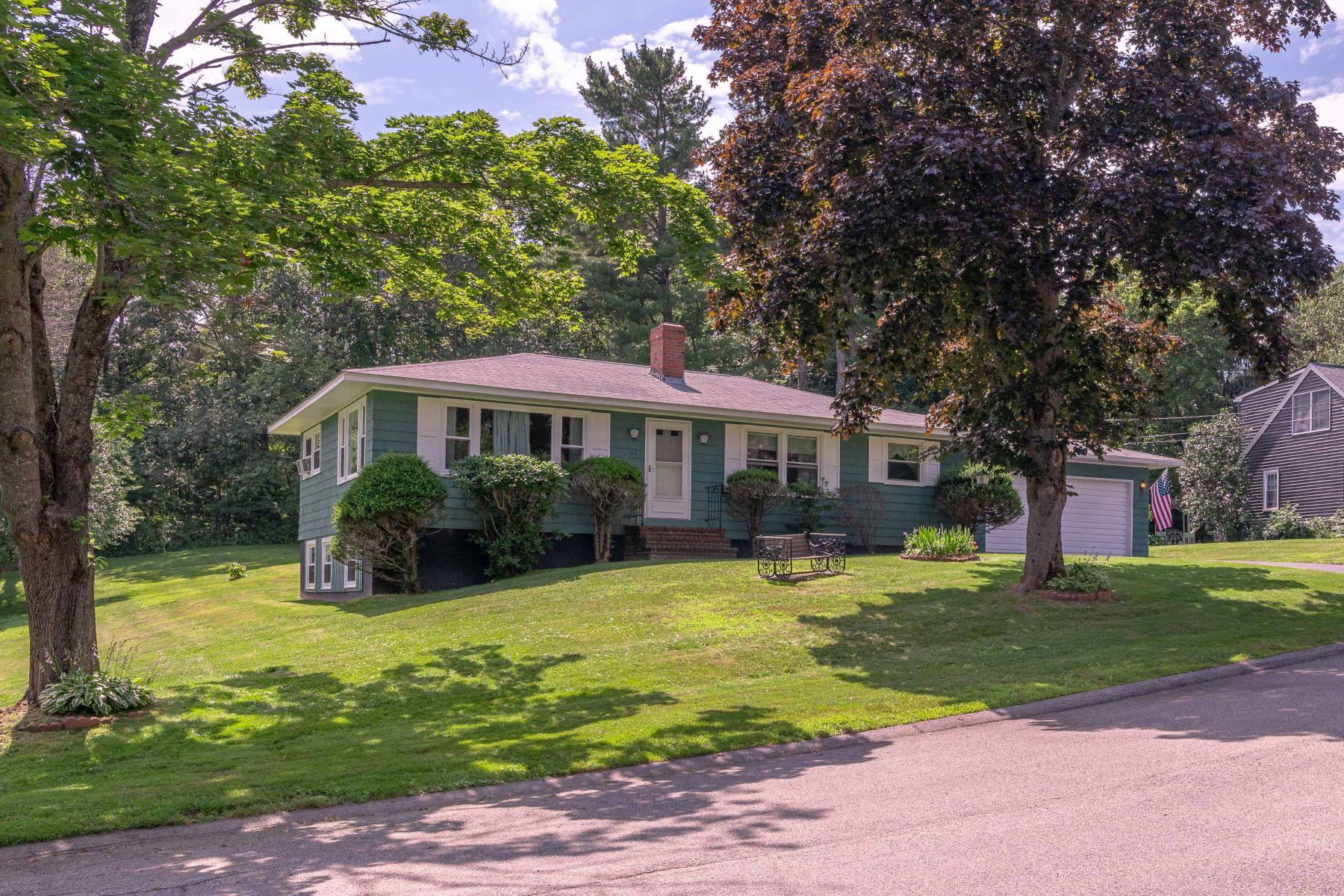 Single Family Homes للـ Sale في Westbrook, Maine 04092 United States
