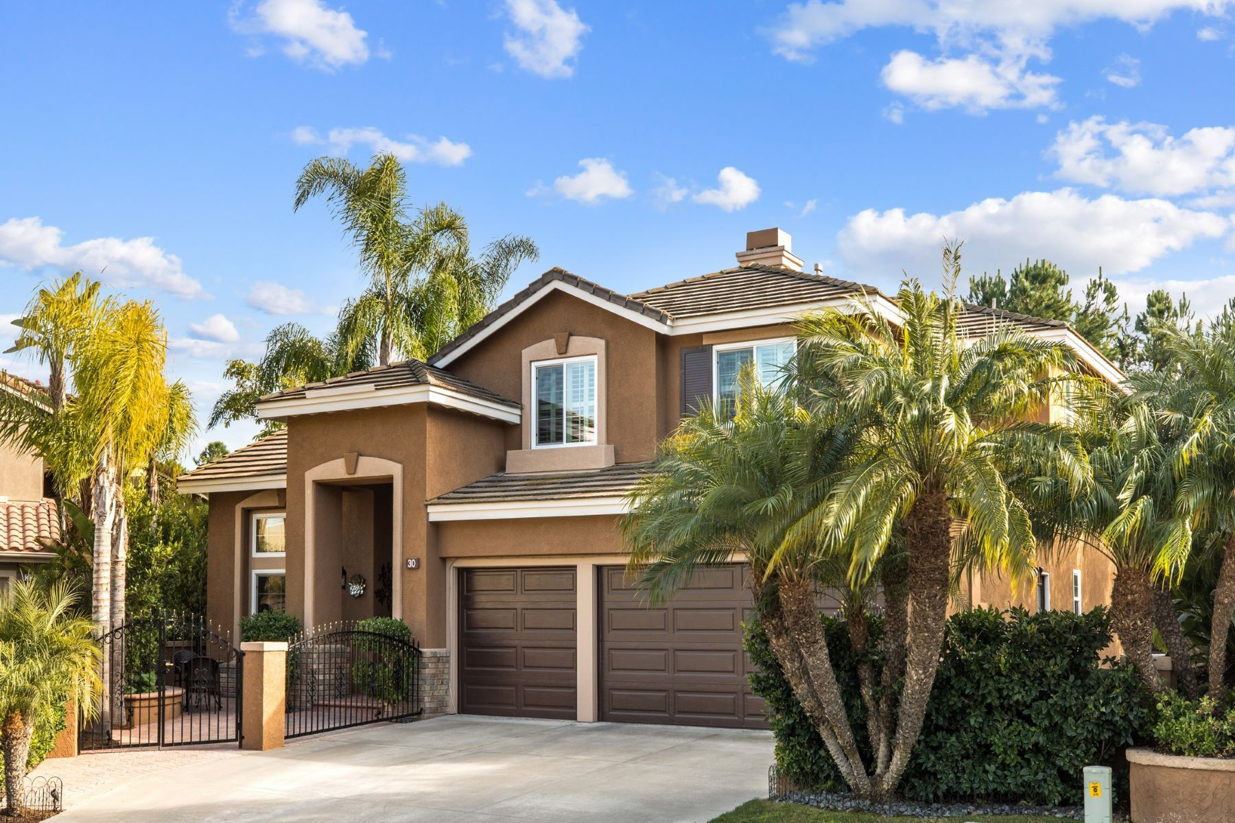Single Family Homes for Active at 30 Blue Jay Drive, Aliso Viejo 30 Blue Jay Drive Aliso Viejo, California 92656 United States