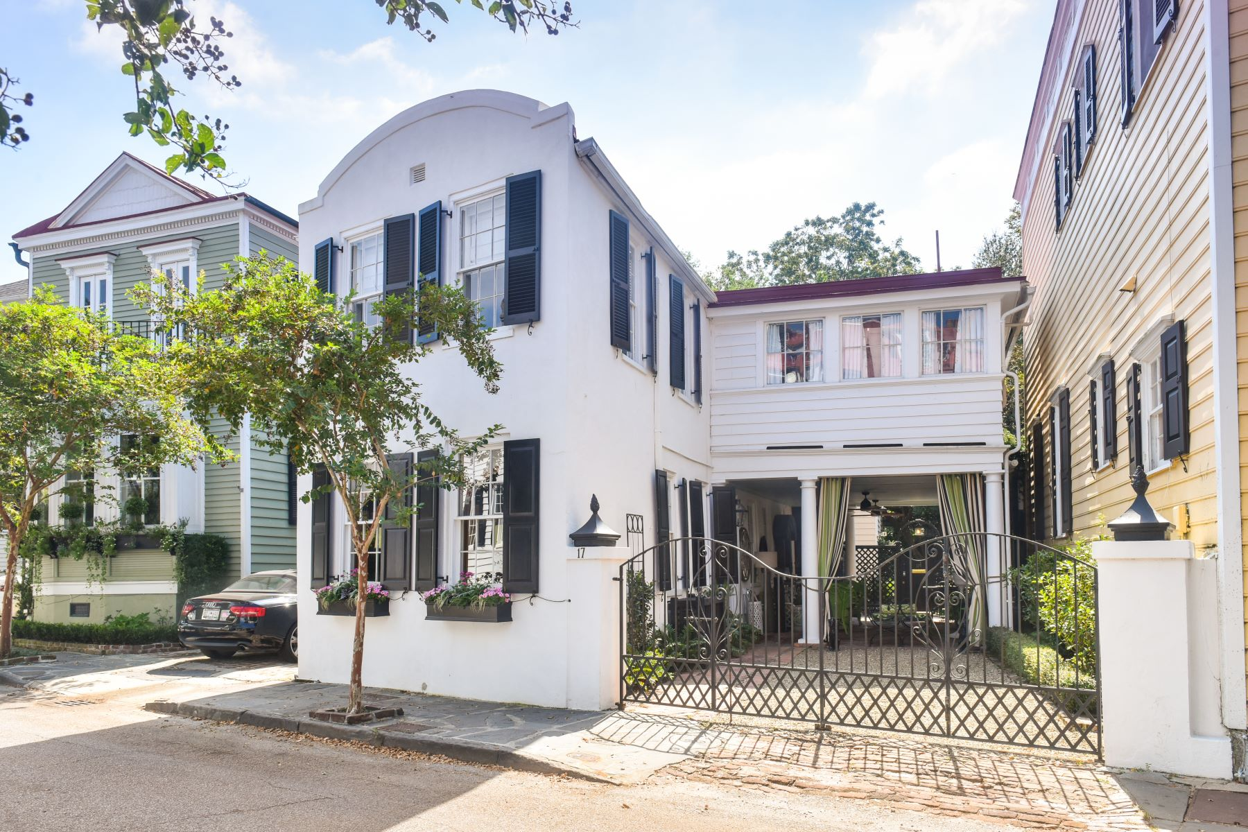 Single Family Homes for Active at 17 Water Street Charleston, South Carolina 29401 United States