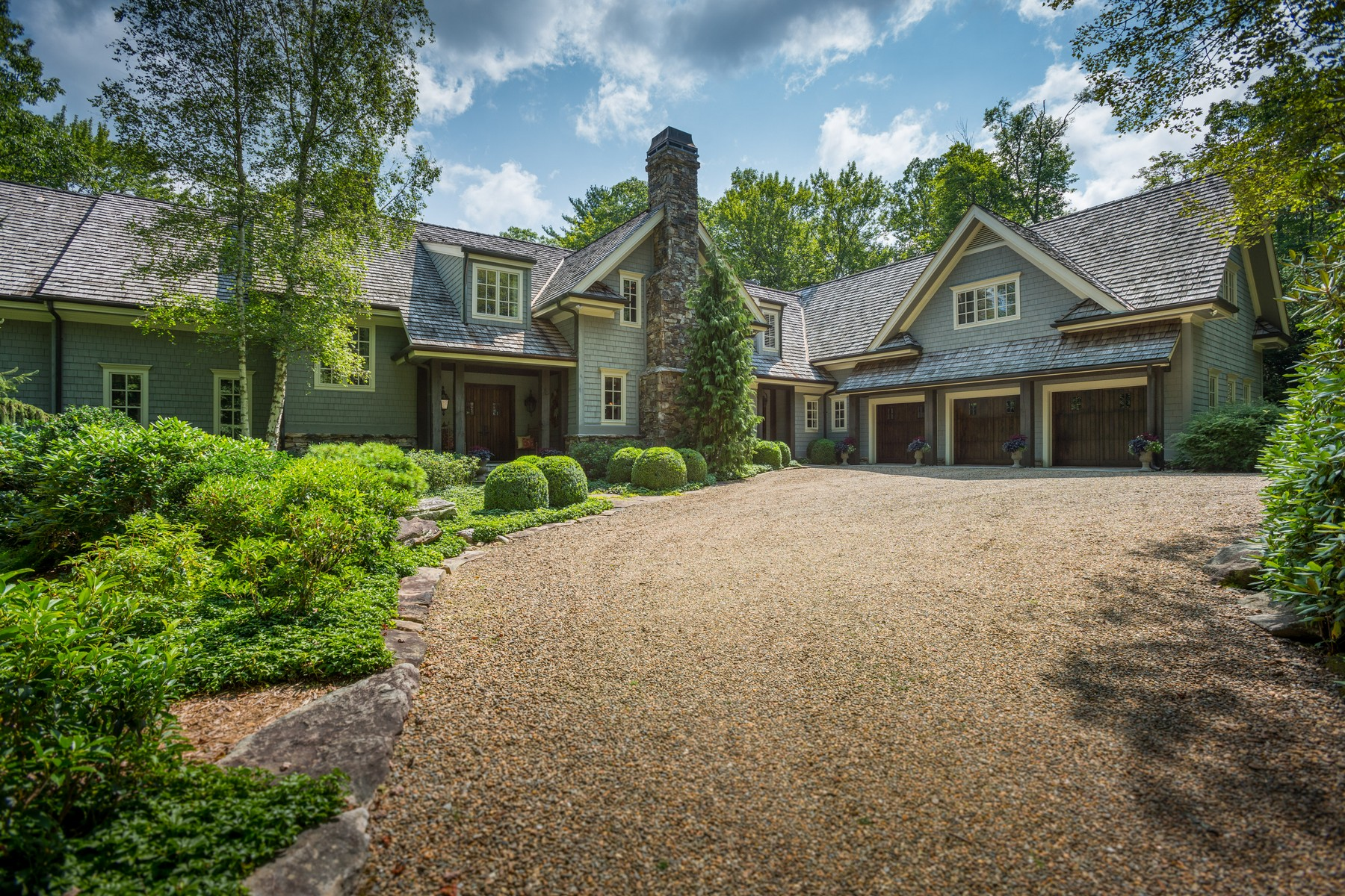 Single Family Homes for Active at 227 Sage Woods Drive 227 Sagee Woods Drive Highlands, North Carolina 28741 United States